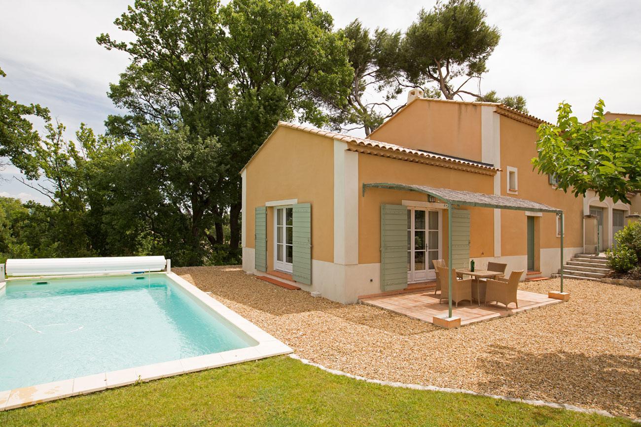 Villeroche,Moderne en klassieke villa in Saint-Rémy-de-Provence, in de Provence, Frankrijk  met privé zwembad voor 6 personen...