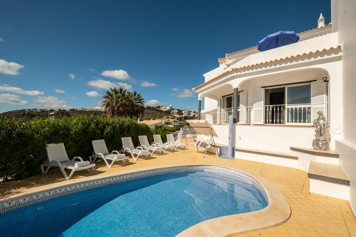 Villa Albufeira LS502,Classic villa  with private pool in Albufeira, on the Algarve, Portugal for 7 persons...