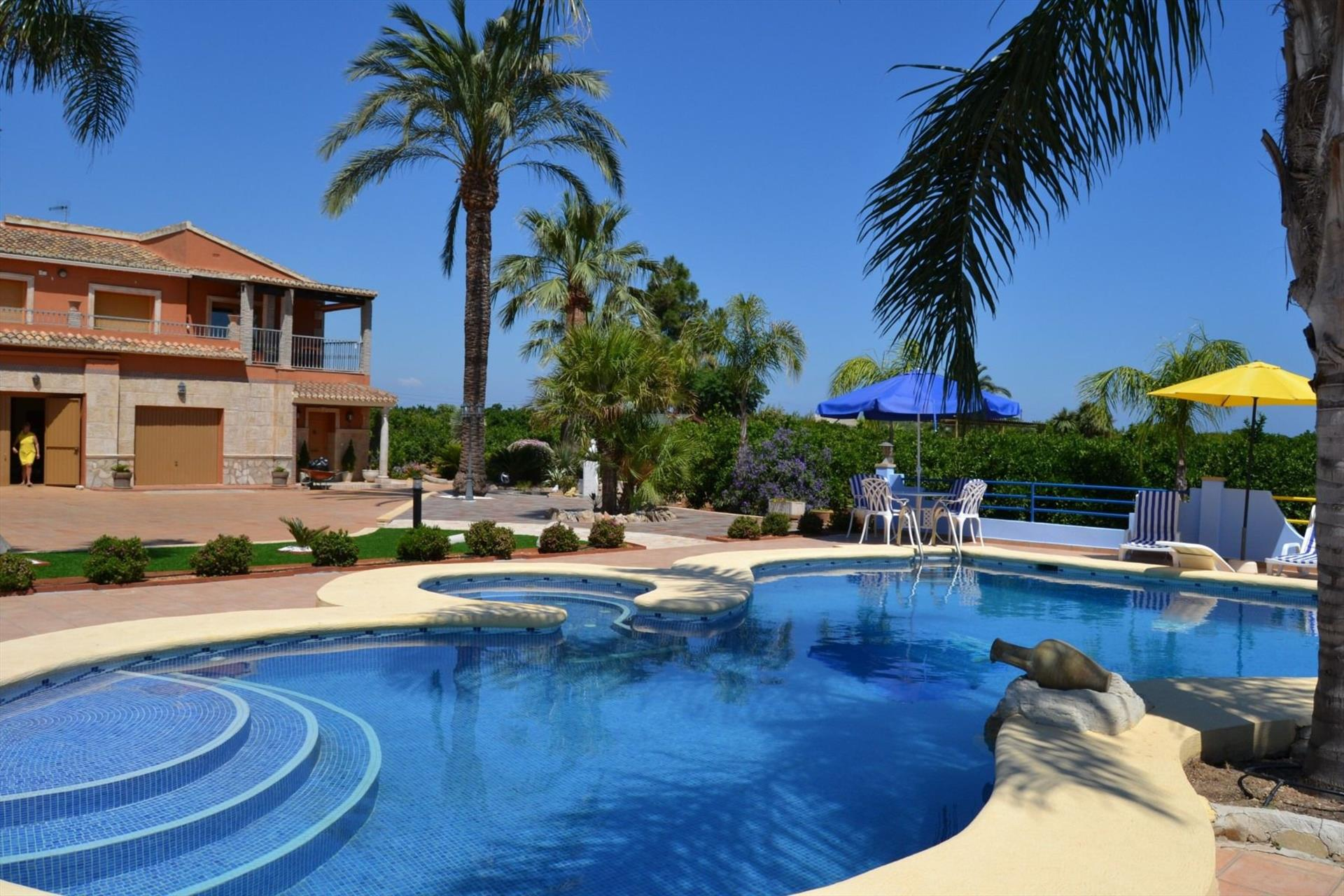 El Palmar Planta Baja Chalet AP3220, Large and comfortable apartment  with communal pool in Denia, on the Costa Blanca, Spain for 8 persons.....