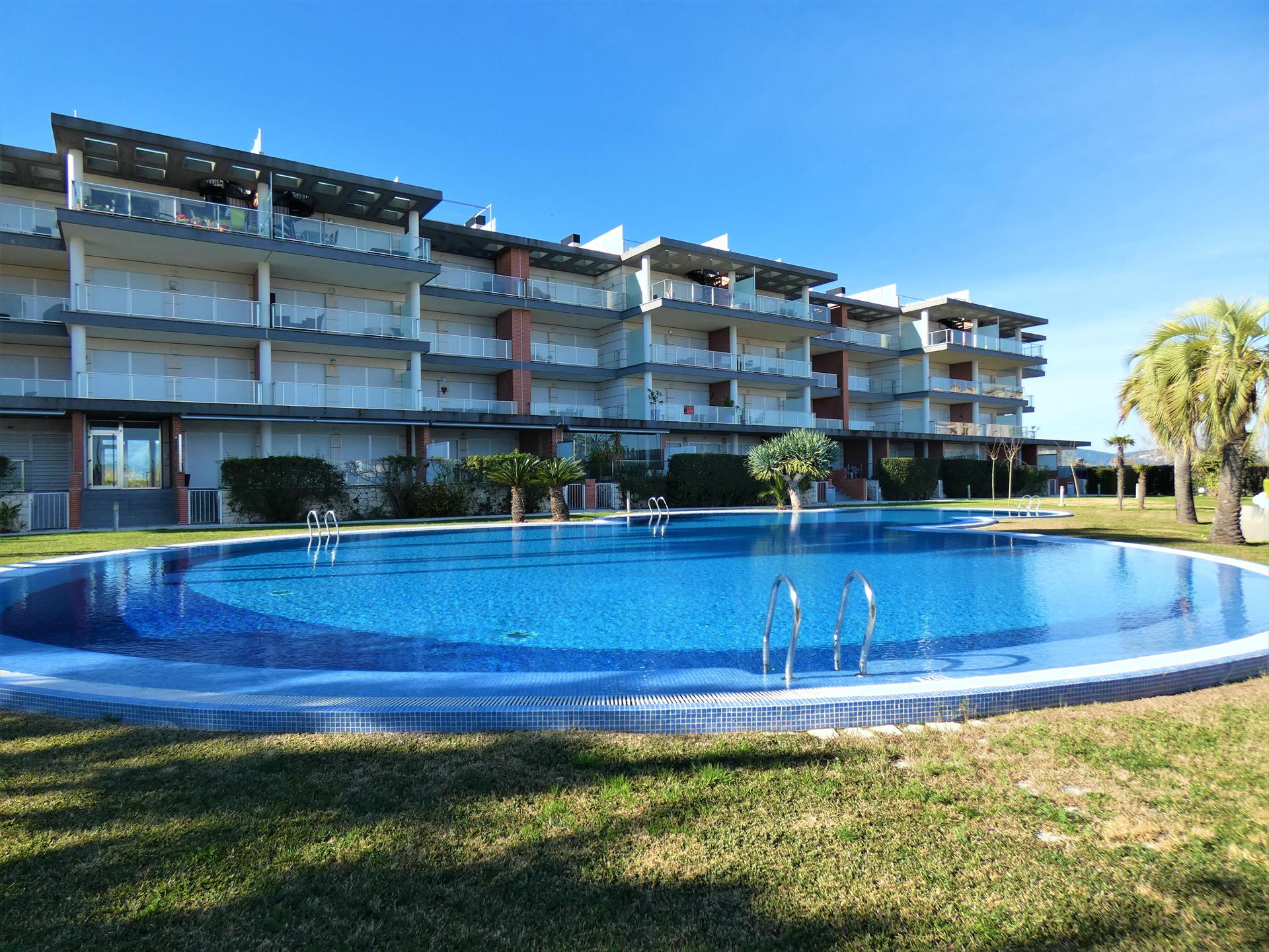 Albatros MET San Fernando AP331, Modern and comfortable apartment in Oliva, on the Costa Blanca, Spain  with communal pool for 4 persons.....
