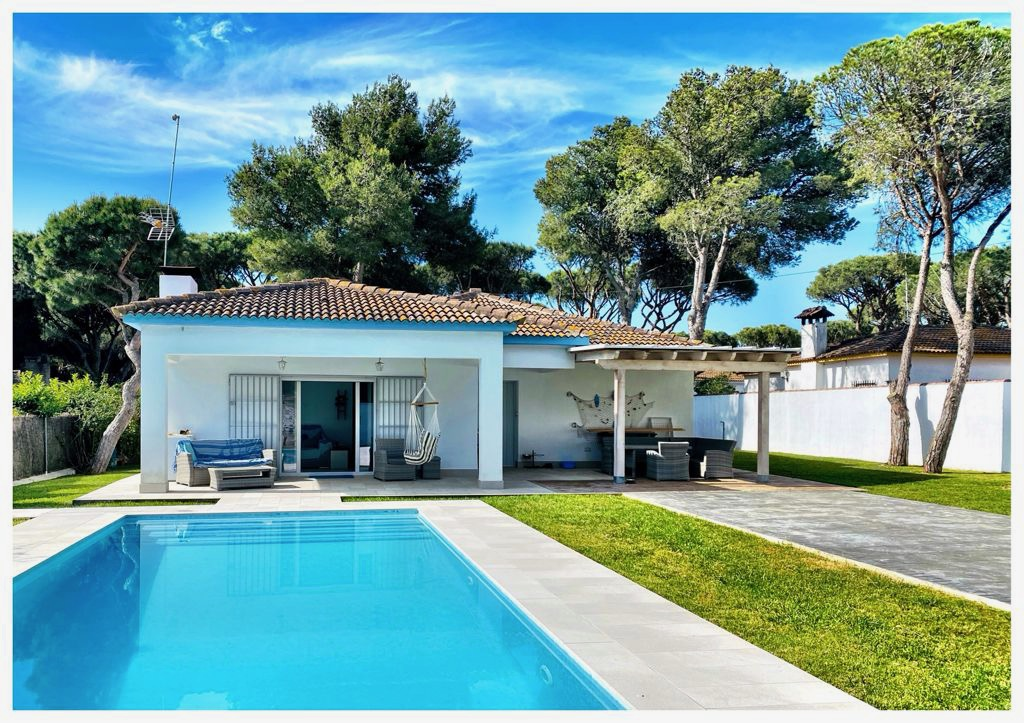 Las Chanclas, Modern and comfortable villa  with private pool in Chiclana de la Frontera, Andalusia, Spain for 6 persons.....