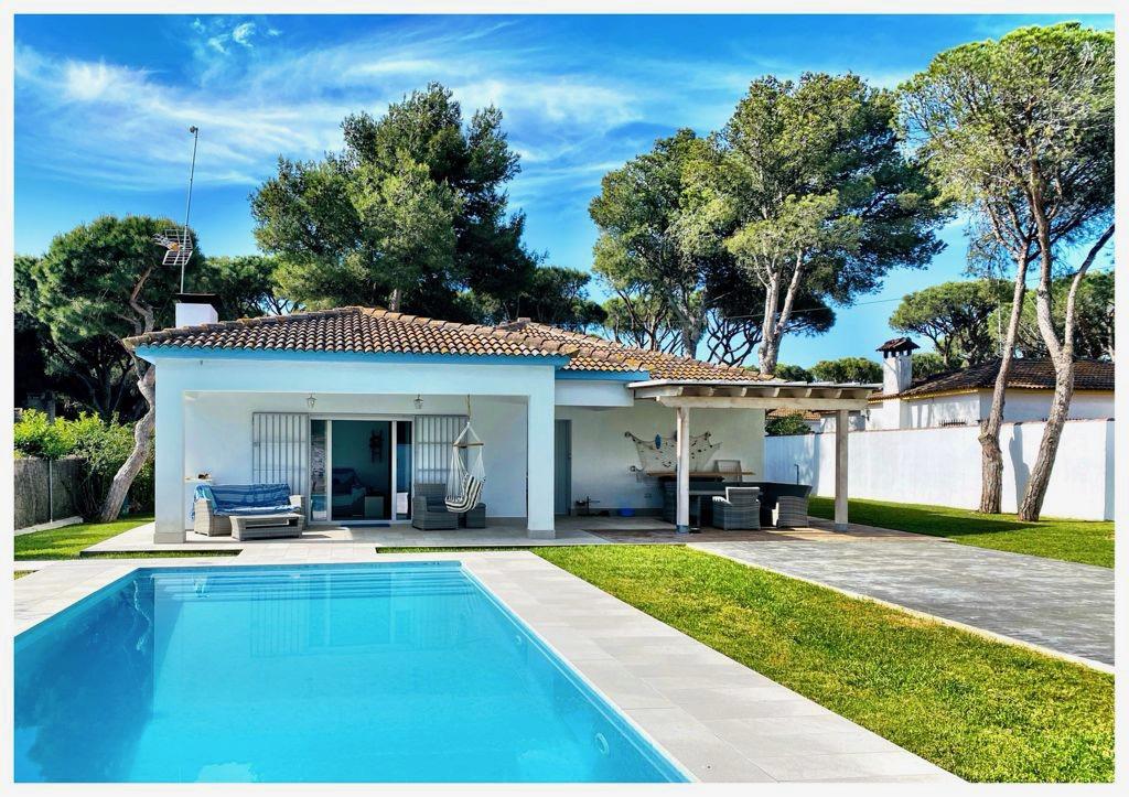 Las Chanclas,Modern and comfortable villa  with private pool in Chiclana de la Frontera, Andalusia, Spain for 6 persons.....