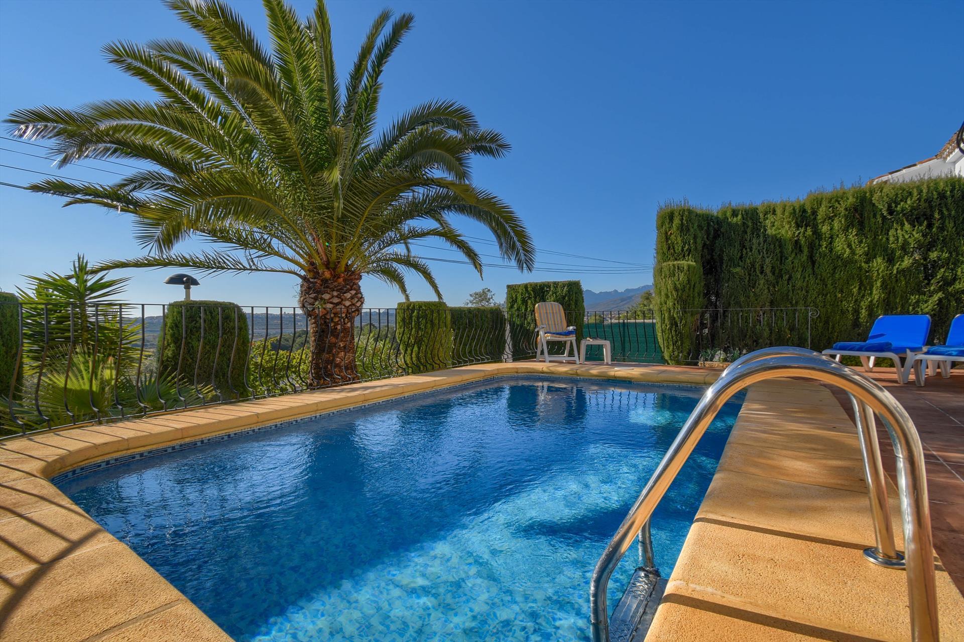 Senija,Villa bonita y clásica en Senija, en la Costa Blanca, España  con piscina privada para 4 personas.....