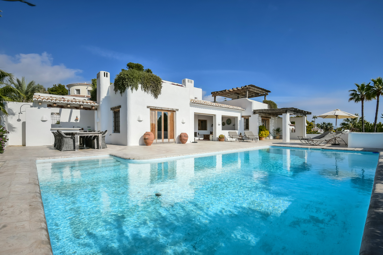 Villa Herina 8, Comfortable villa in Moraira, on the Costa Blanca, Spain  with private pool for 8 persons.....