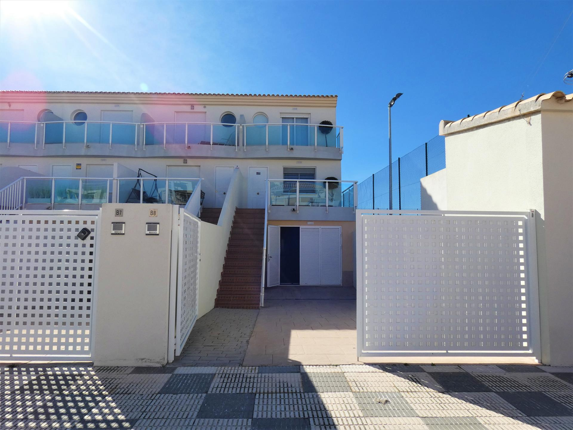 Beniarjó Playa Rabdells AD800, Modern and nice apartment  with communal pool in Oliva, on the Costa Blanca, Spain for 4 persons.....