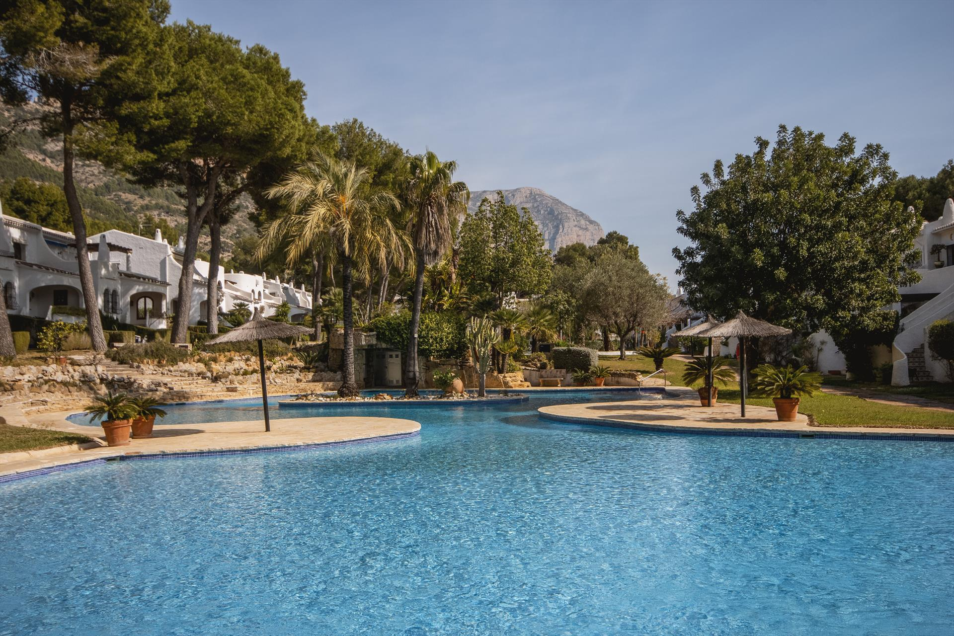 Los Lagos 2 pax,Wonderful and comfortable apartment in Javea, on the Costa Blanca, Spain  with communal pool for 2 persons...