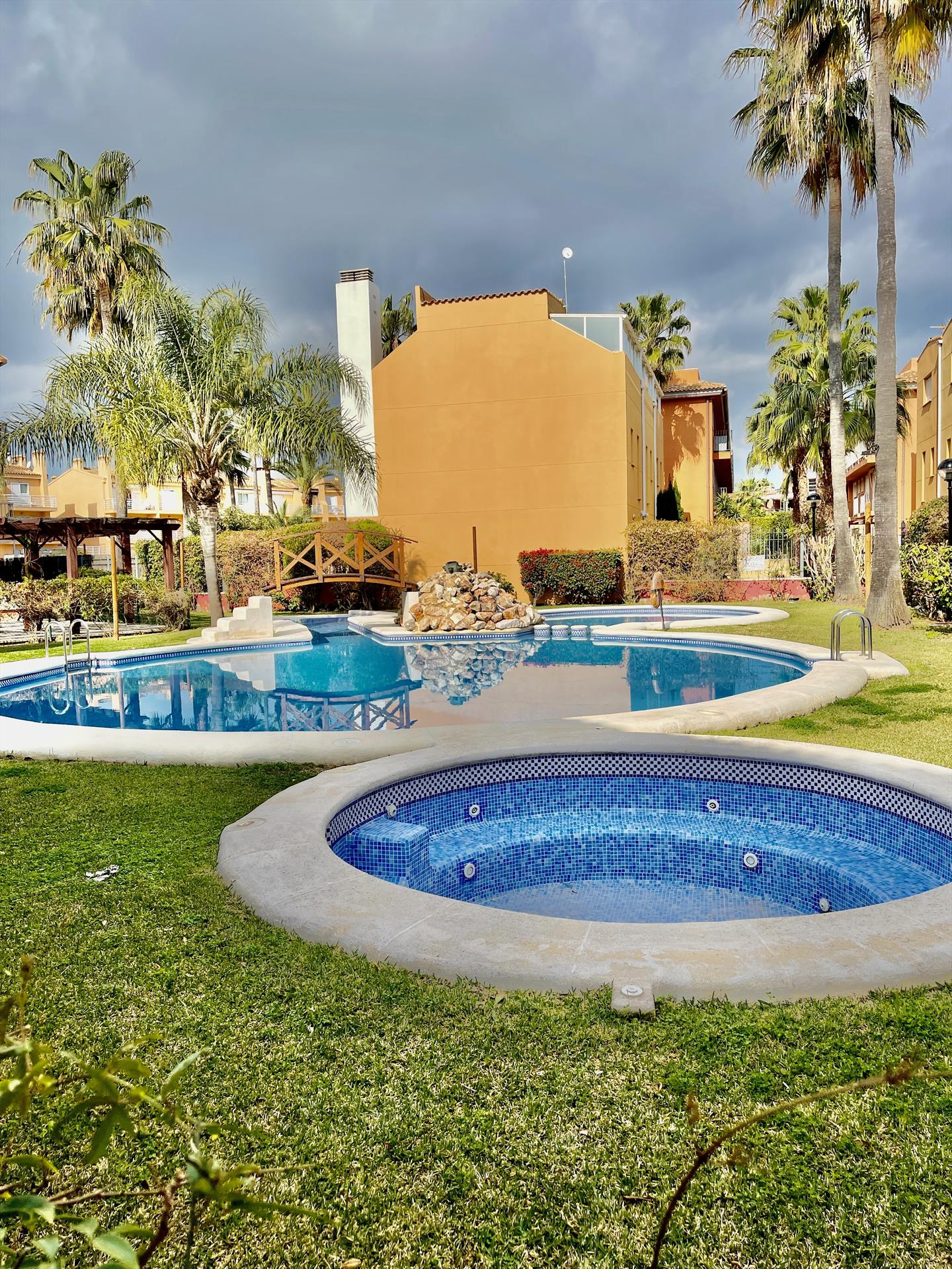 Pisa,Beautiful and comfortable apartment  with communal pool in Javea, on the Costa Blanca, Spain for 6 persons.....
