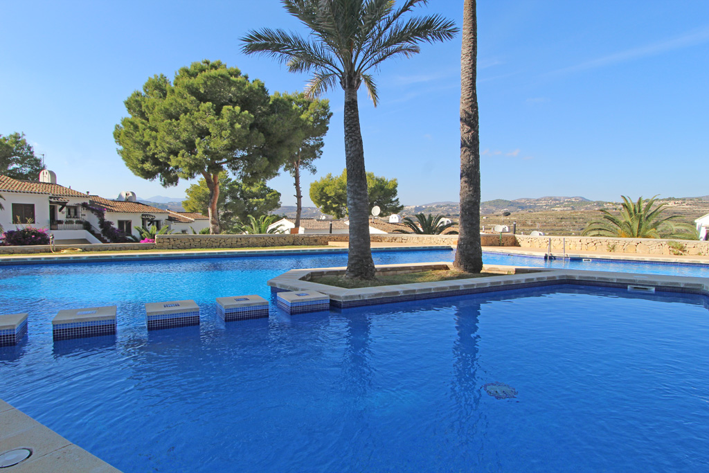 Bungalow Alcassar, Wonderful and comfortable holiday home  with communal pool in Moraira, on the Costa Blanca, Spain for 6 persons...