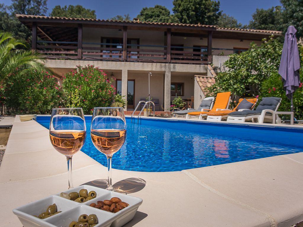 Villa scandinavia,Liebliche und komfortable Ferienwohnung in Laurens, Languedoc Roussillon, Frankreich  mit privatem Pool für 8 Personen...