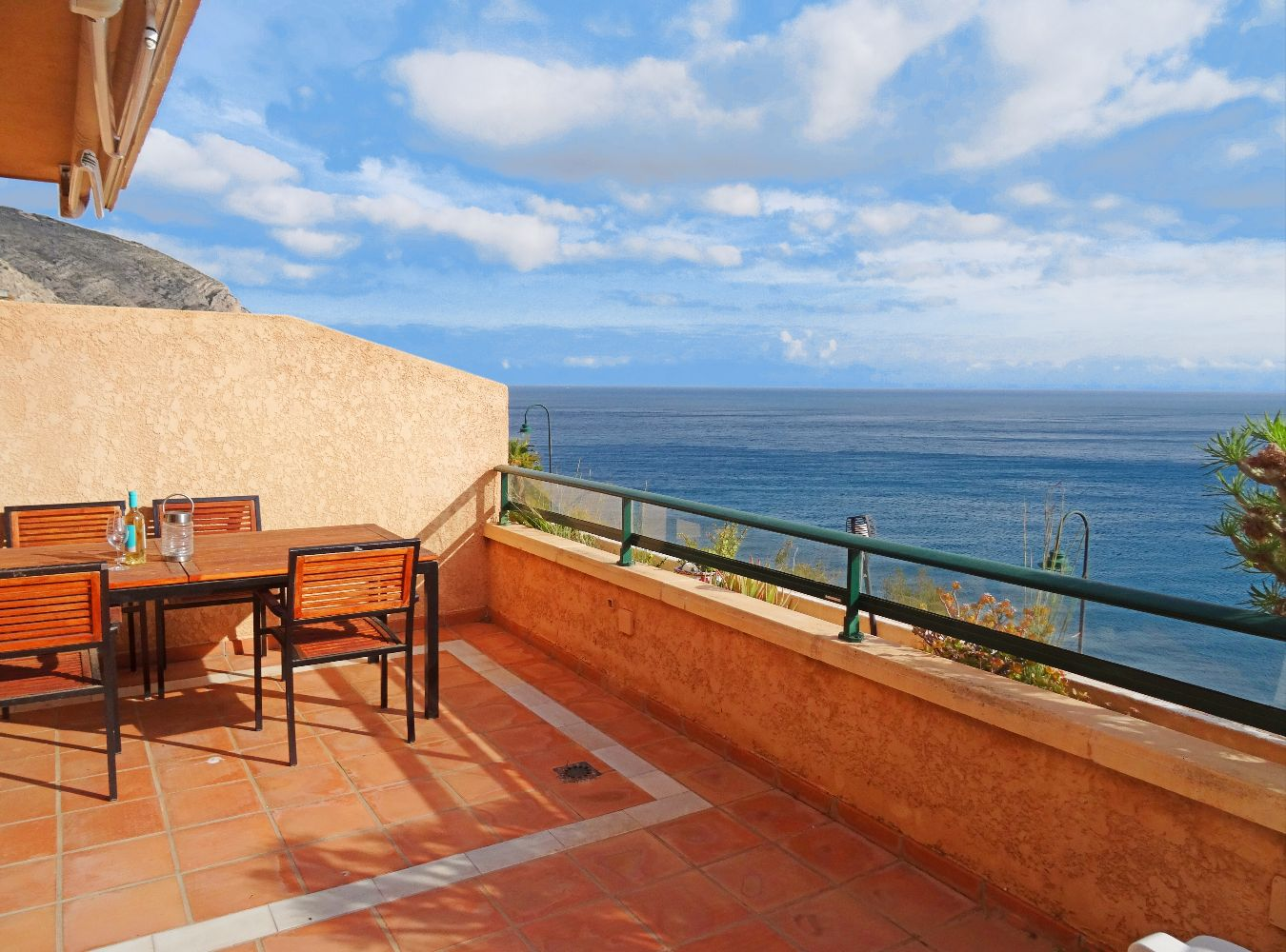 Maravista, Beautiful and cheerful apartment in Altea, on the Costa Blanca, Spain for 4 persons.....