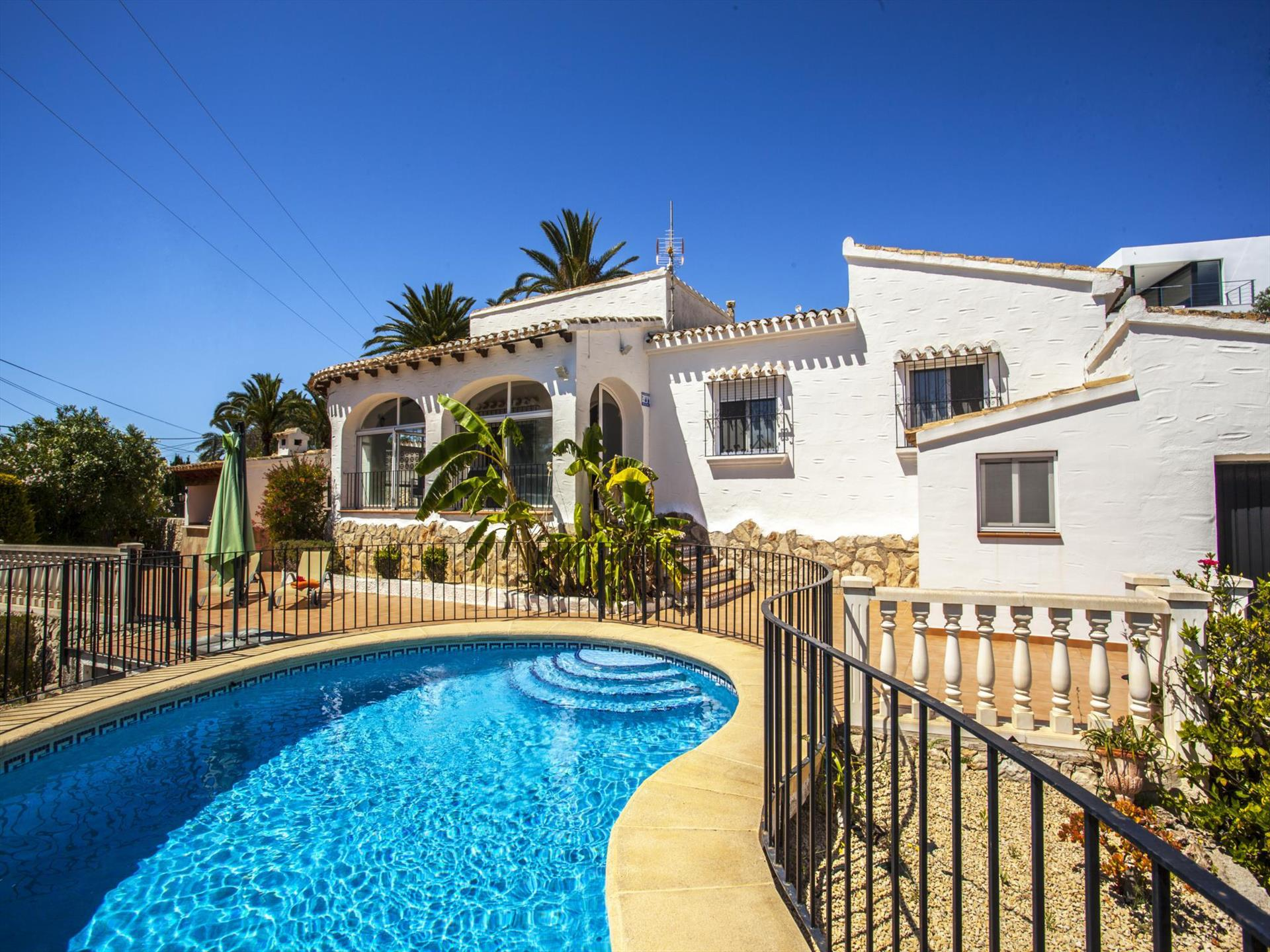 Villa Tripoli, Wonderful and classic villa  with private pool in Moraira, on the Costa Blanca, Spain for 6 persons.....