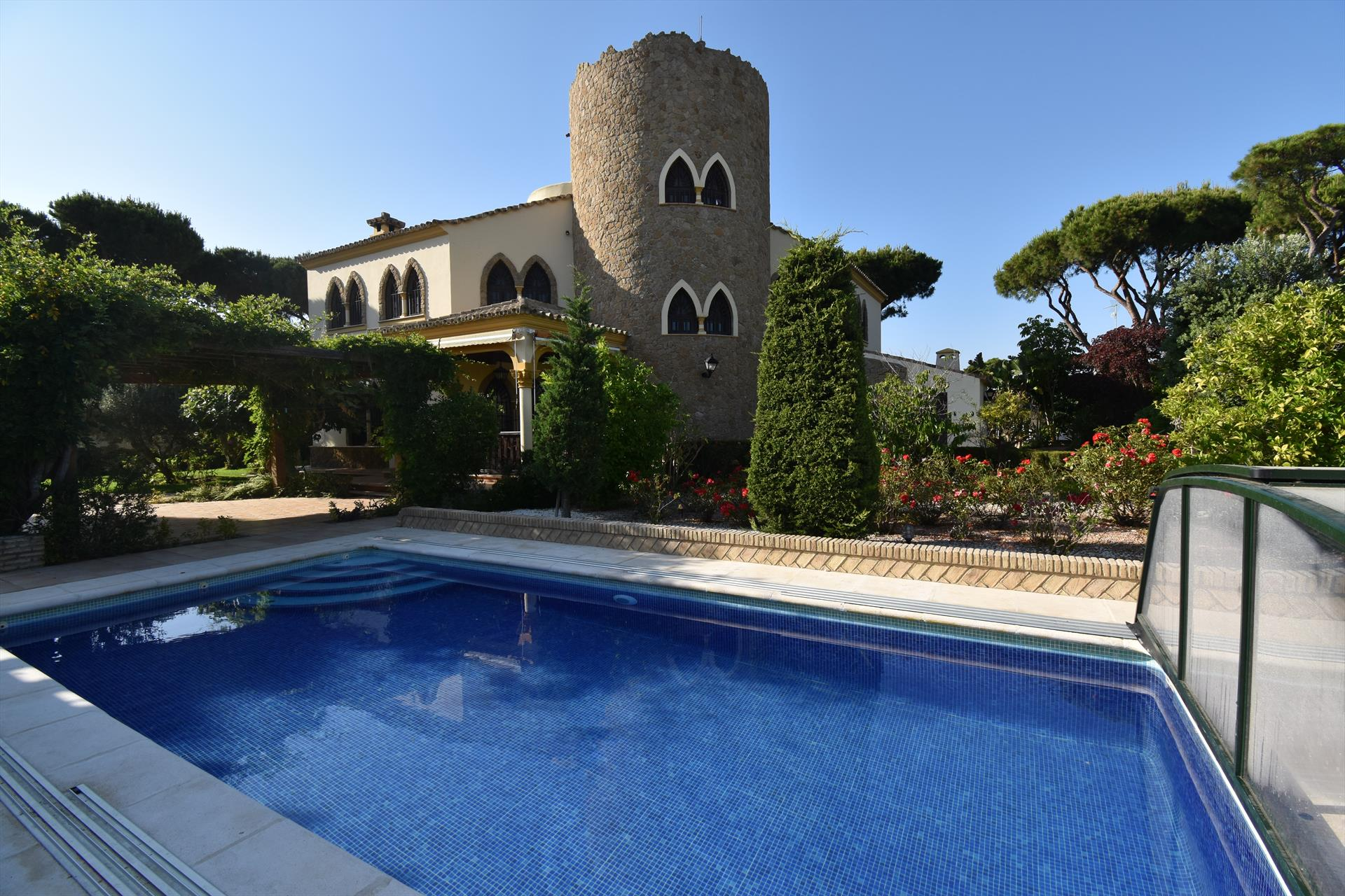 El Bujio, Beautiful and classic villa in Chiclana de la Frontera, Andalusia, Spain  with private pool for 9 persons.....
