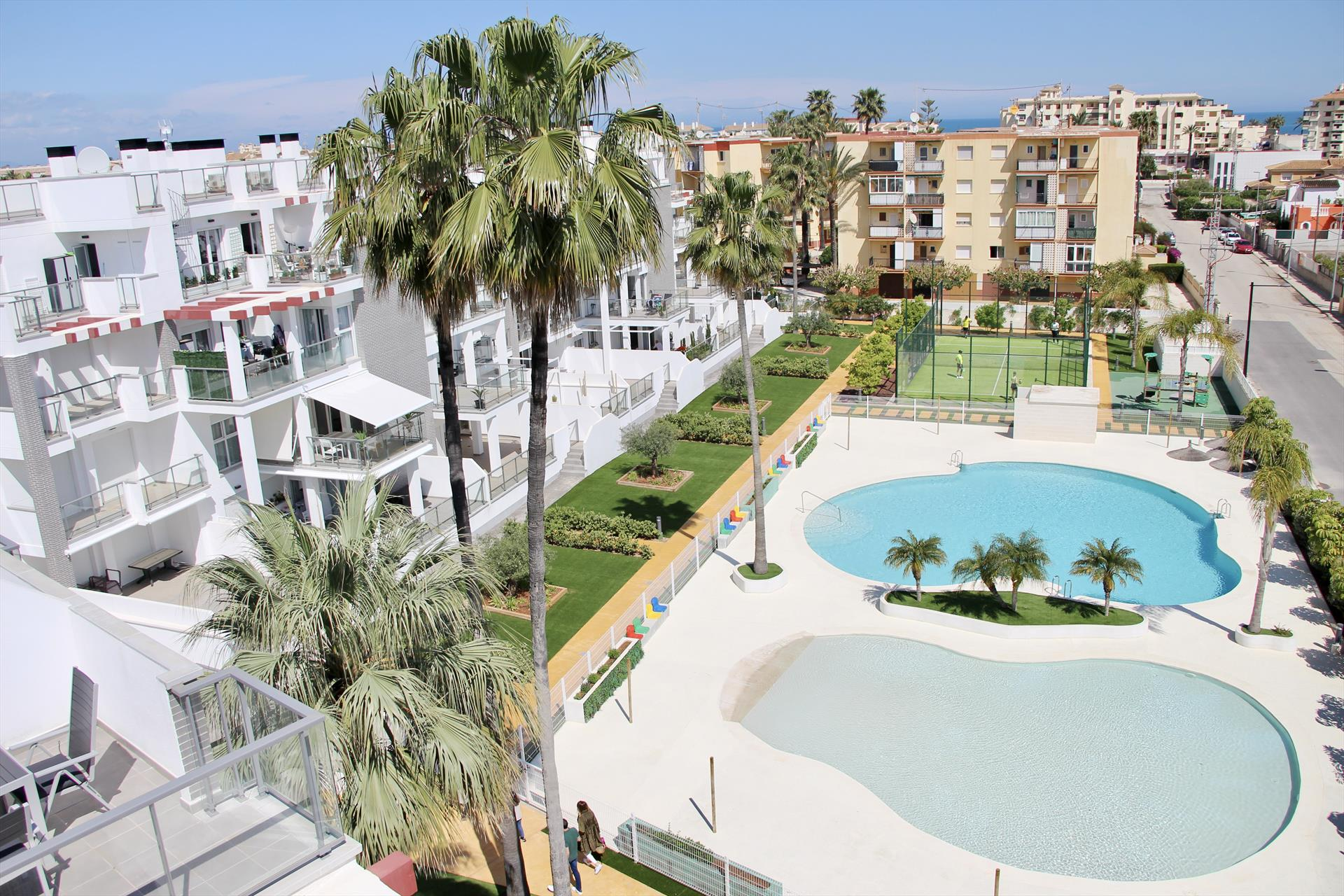 Victoria 80,Beautiful and comfortable apartment in Denia, on the Costa Blanca, Spain  with communal pool for 4 persons.....