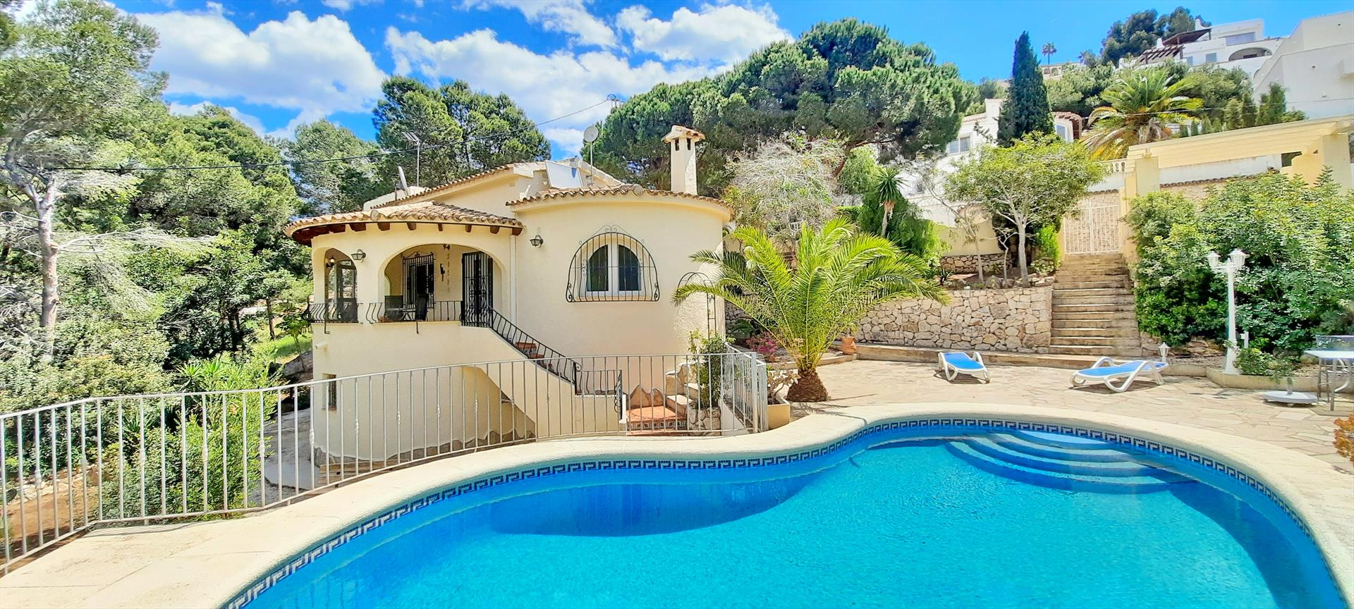 Villa La Belita, Wonderful and cheerful villa  with private pool in Moraira, on the Costa Blanca, Spain for 4 persons.....