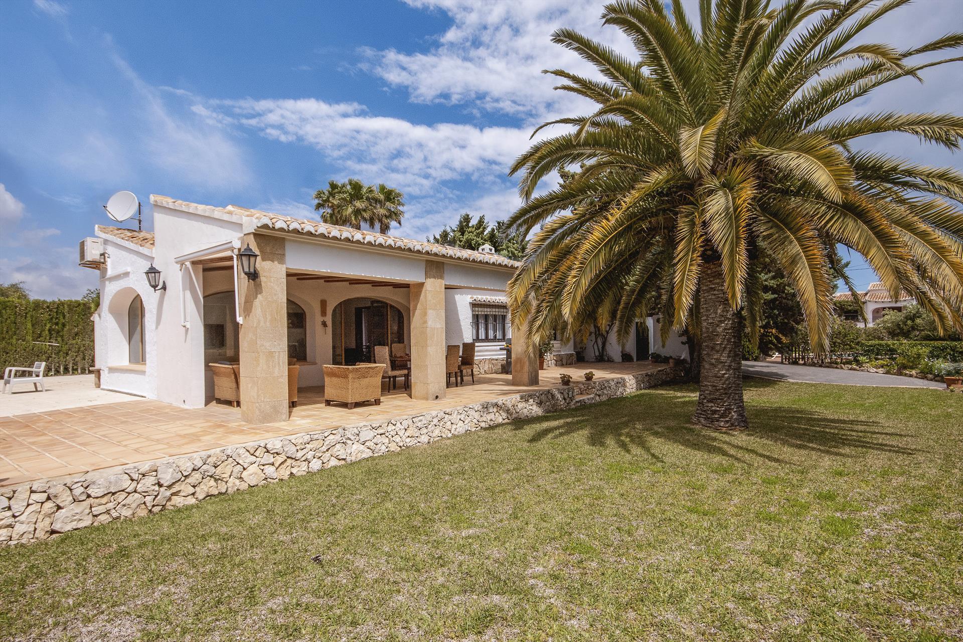 Canari,Mooie en comfortabele villa in Javea, aan de Costa Blanca, Spanje  met privé zwembad voor 6 personen...