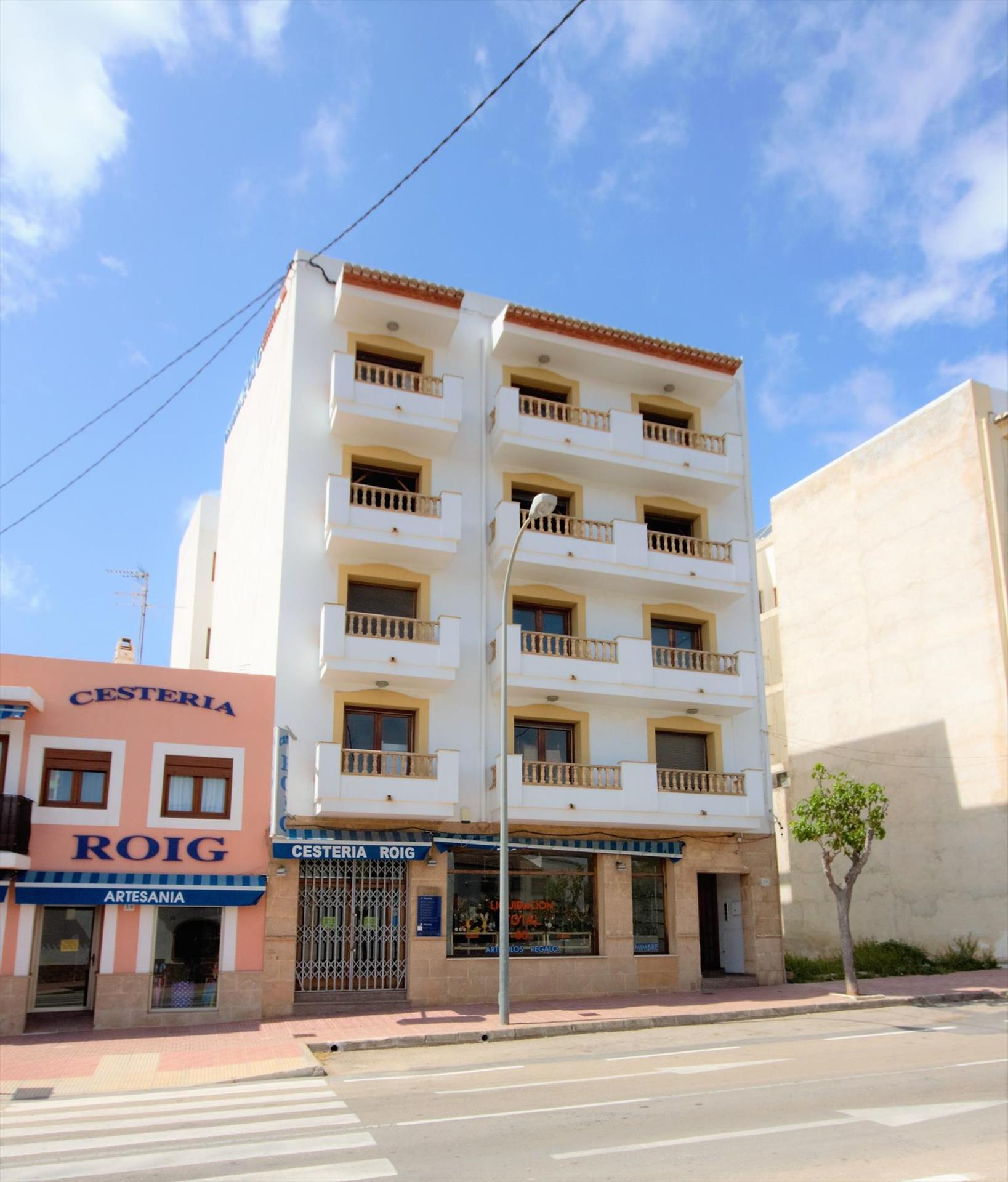 ROIG,Large and nice apartment in Javea, on the Costa Blanca, Spain for 9 persons.....
