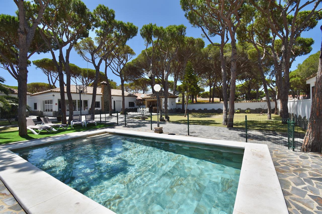 Atlantica,Wonderful and comfortable villa  with private pool in Chiclana de la Frontera, Andalusia, Spain for 9 persons.....