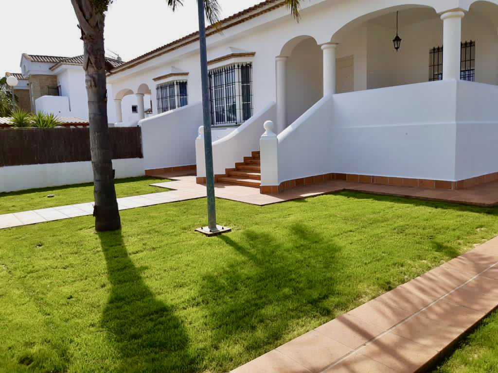 Osa Mayor,Beautiful and comfortable villa  with private pool in Chiclana de la Frontera, Andalusia, Spain for 6 persons.....