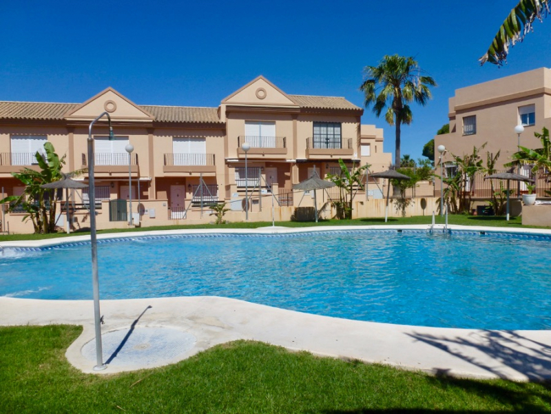 Altea,Beautiful and comfortable apartment in Chiclana de la Frontera, Andalusia, Spain  with communal pool for 5 persons.....