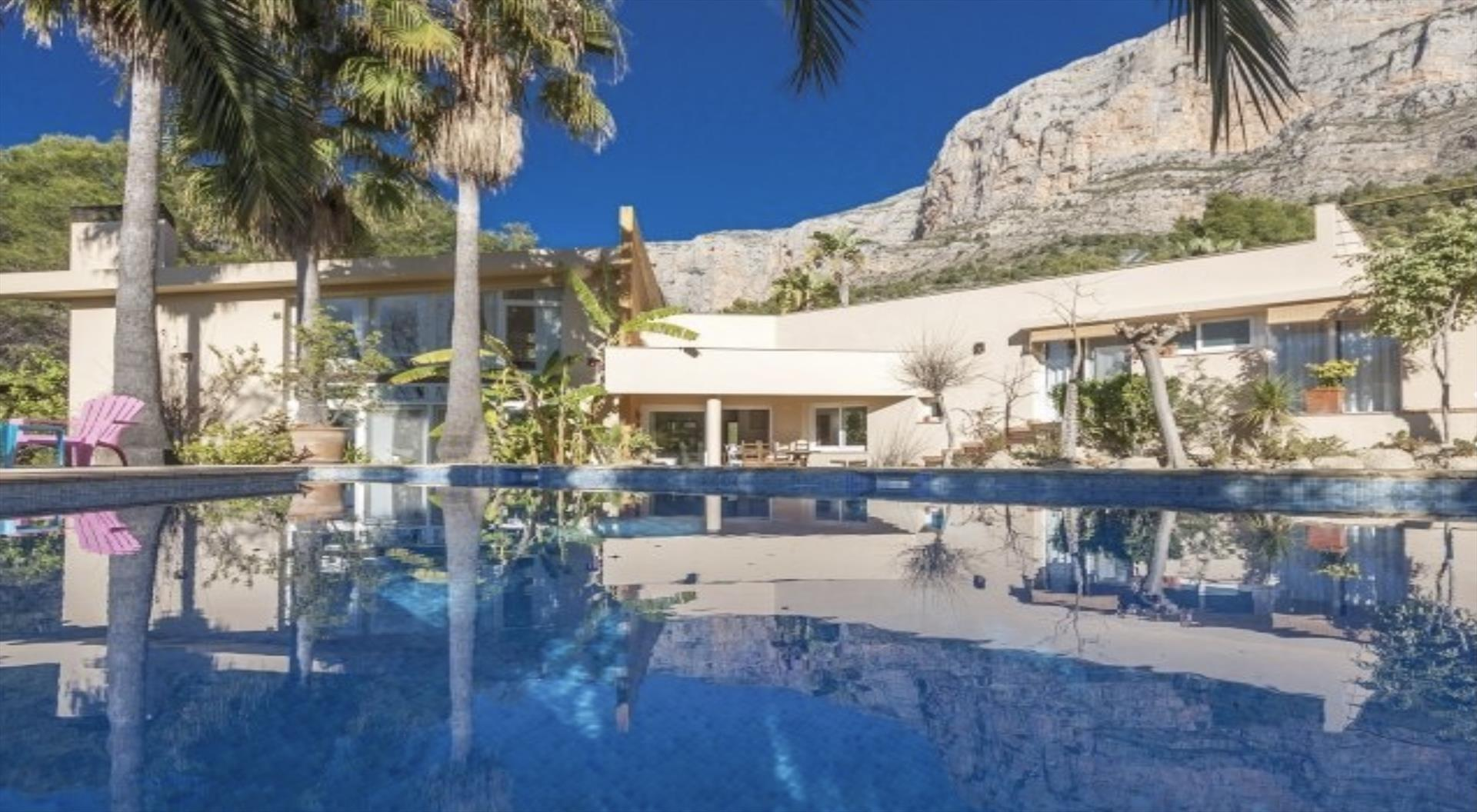 Vedat,Lovely and nice villa in Javea, on the Costa Blanca, Spain  with private pool for 6 persons.....