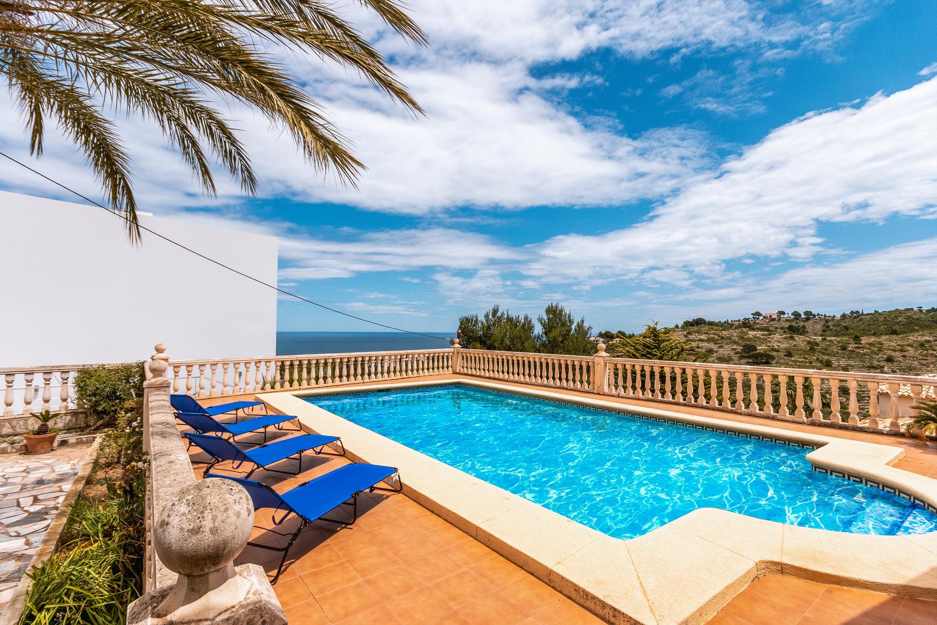 La Florida 6 pax,Villa maravillosa y romántica en Denia, en la Costa Blanca, España  con piscina privada para 6 personas.....