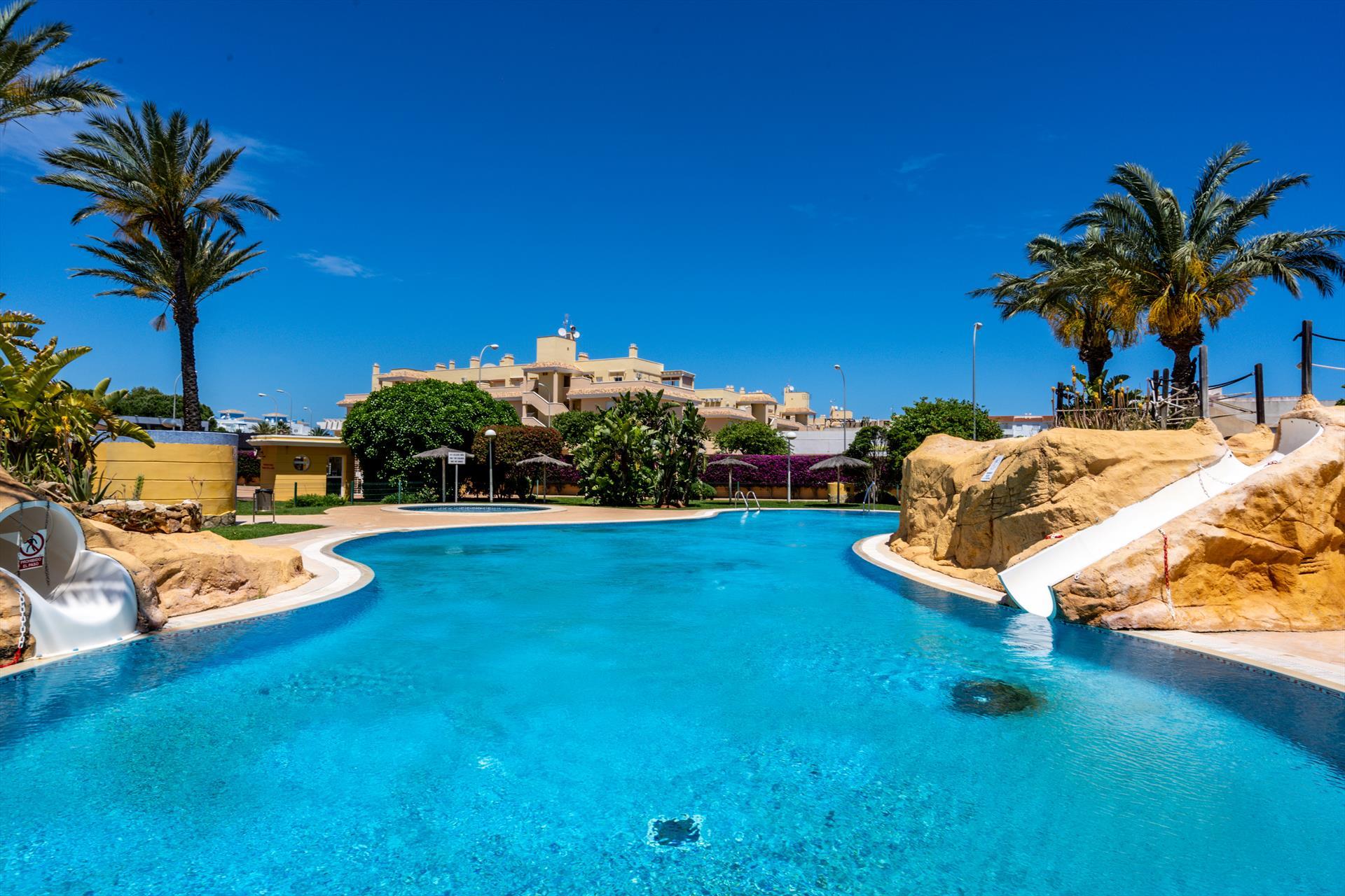 Aquamarine,Appartement  avec piscine communale à Denia, sur la Costa Blanca, Espagne pour 4 personnes...