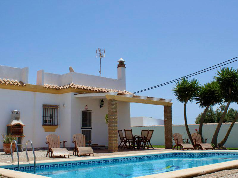 Del Cura,Classic and comfortable holiday house in Chiclana de la Frontera, Andalusia, Spain  with private pool for 6 persons.....