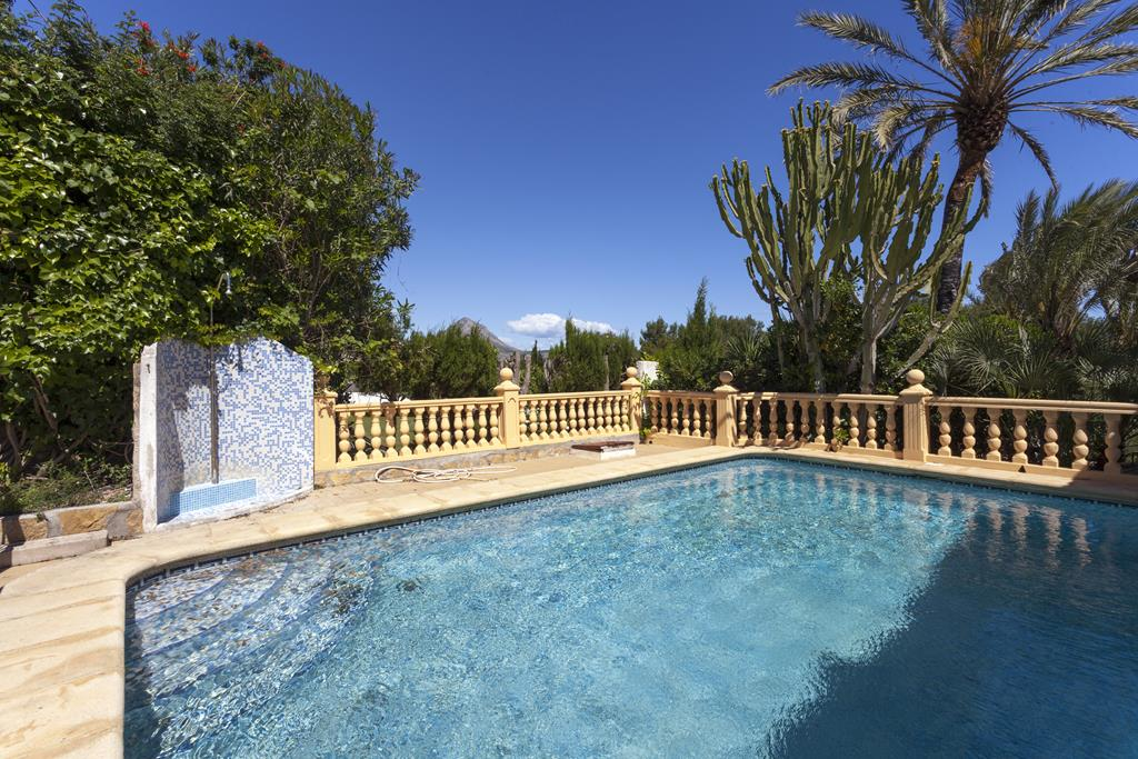 El Rancho,Beautiful and cheerful villa in Javea, on the Costa Blanca, Spain  with private pool for 8 persons.....