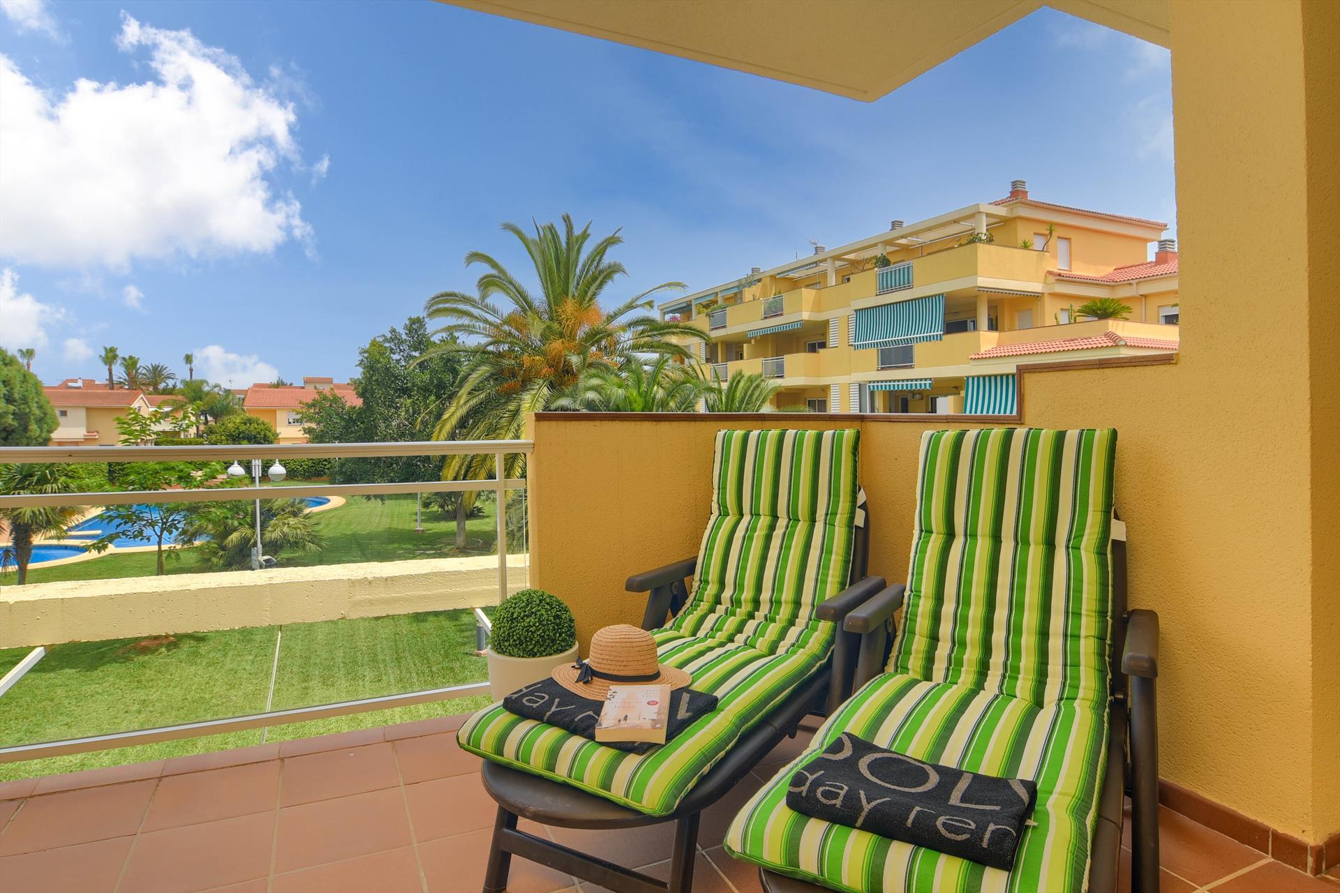 Anika,Prachtig en gezellig appartement  met gemeenschappelijk zwembad in Denia, aan de Costa Blanca, Spanje voor 4 personen...