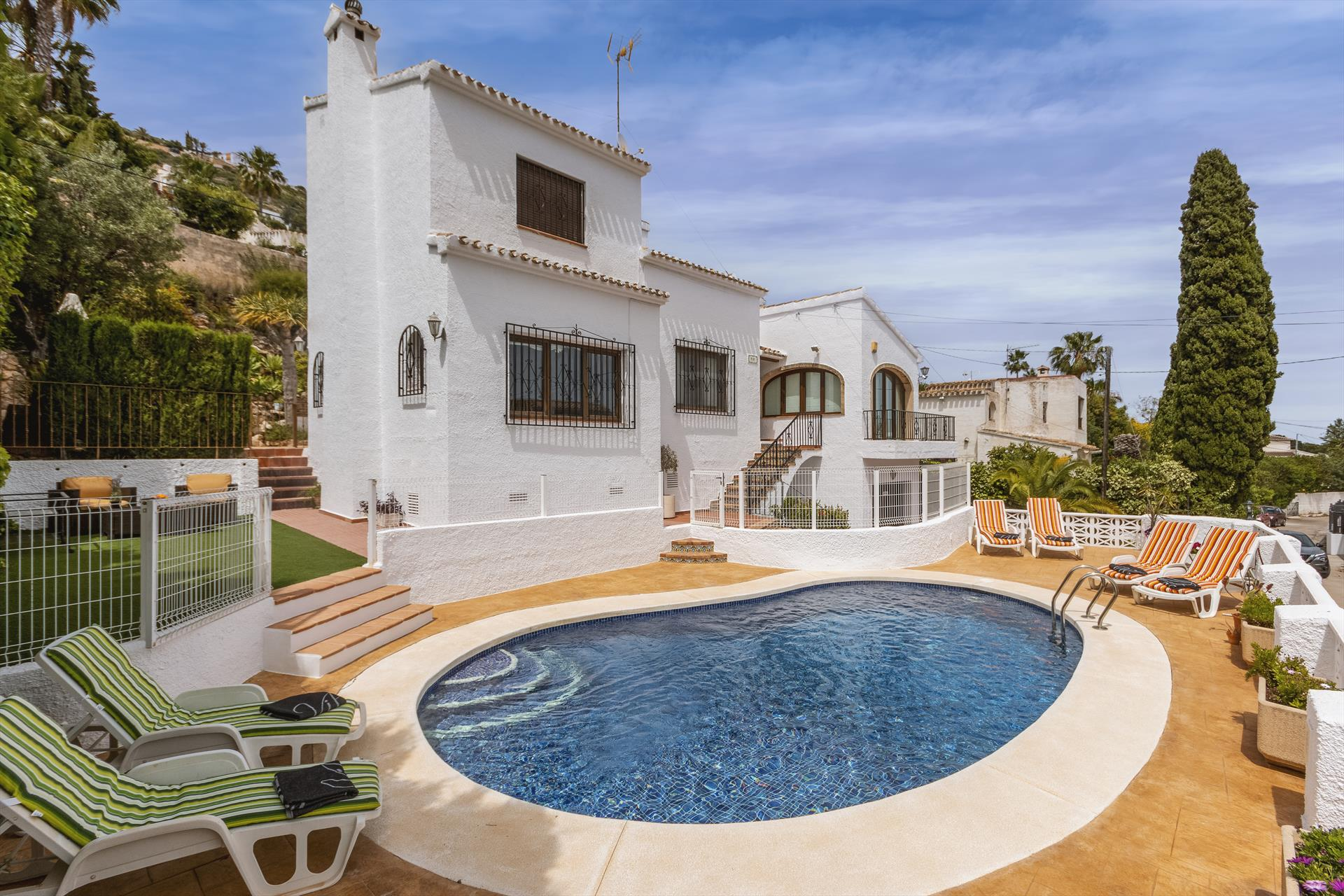 La Veleta,Beautiful and cheerful villa  with private pool in Javea, on the Costa Blanca, Spain for 6 persons...
