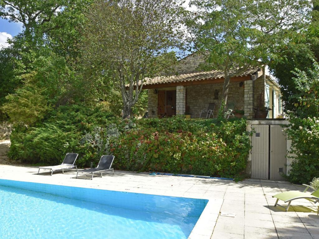 Maru,Mooie en gezellige villa in Maruéjols-et-Avéjan, Languedoc Roussillon, Frankrijk  met privé zwembad voor 4 personen...