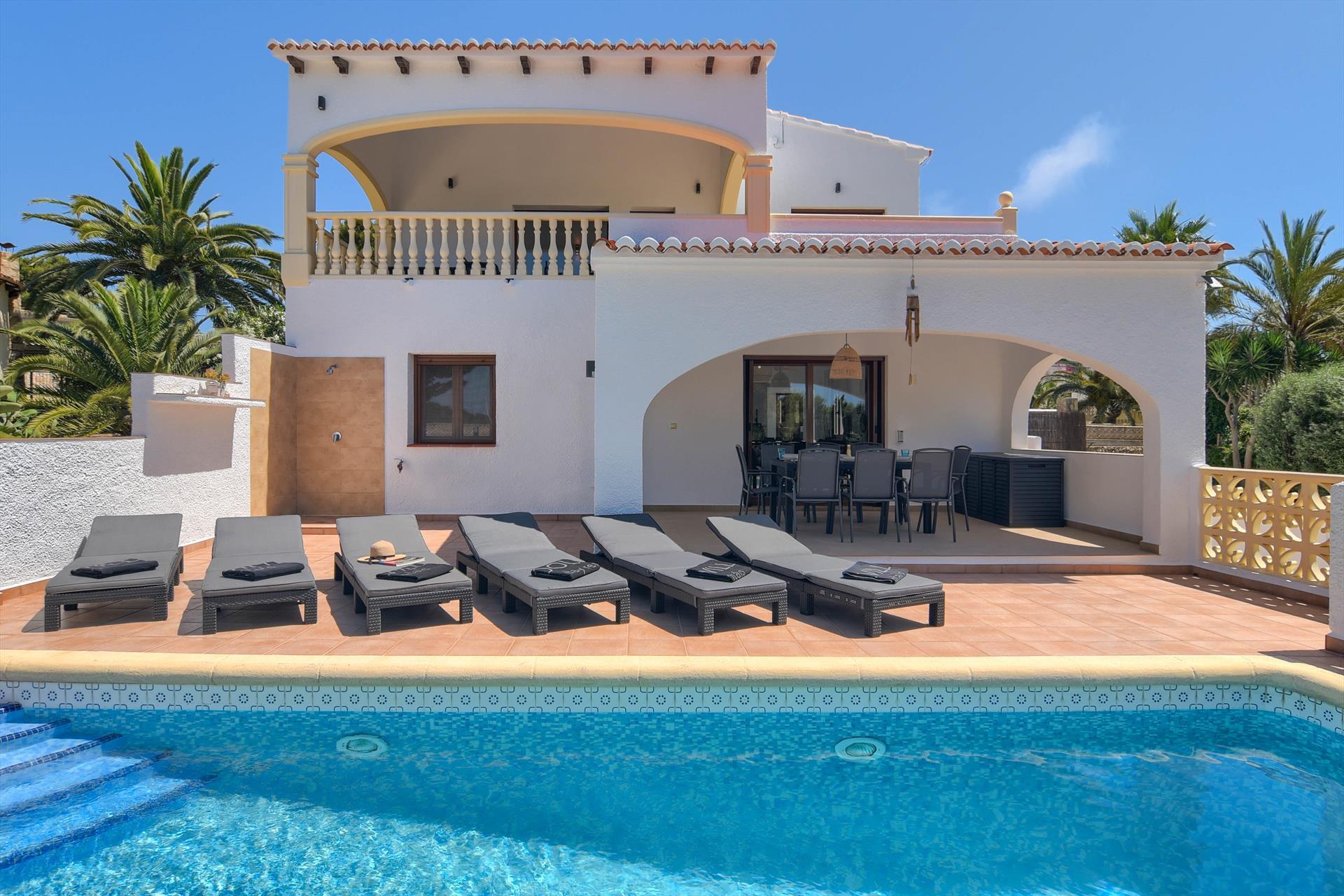 Casa de Missy,Villa maravillosa y acogedora  con piscina climatizada en Javea, en la Costa Blanca, España para 8 personas...