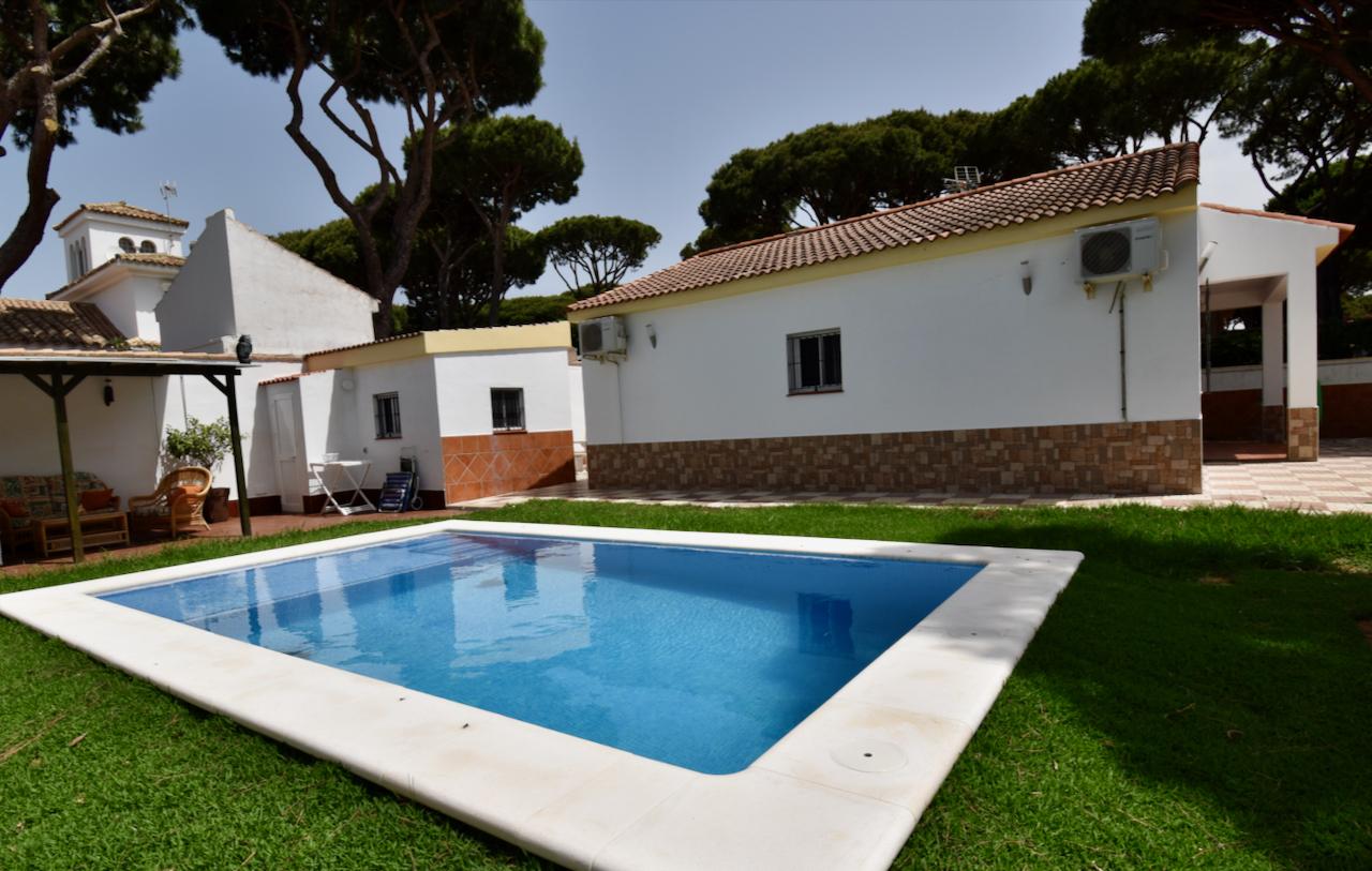 A Levante,Classic and nice villa in Chiclana de la Frontera, Andalusia, Spain for 6 persons.....