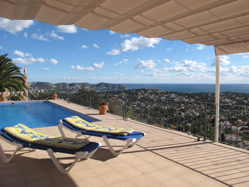 Villa Aguila,Wonderful and comfortable villa  with private pool in Moraira, on the Costa Blanca, Spain for 6 persons.....