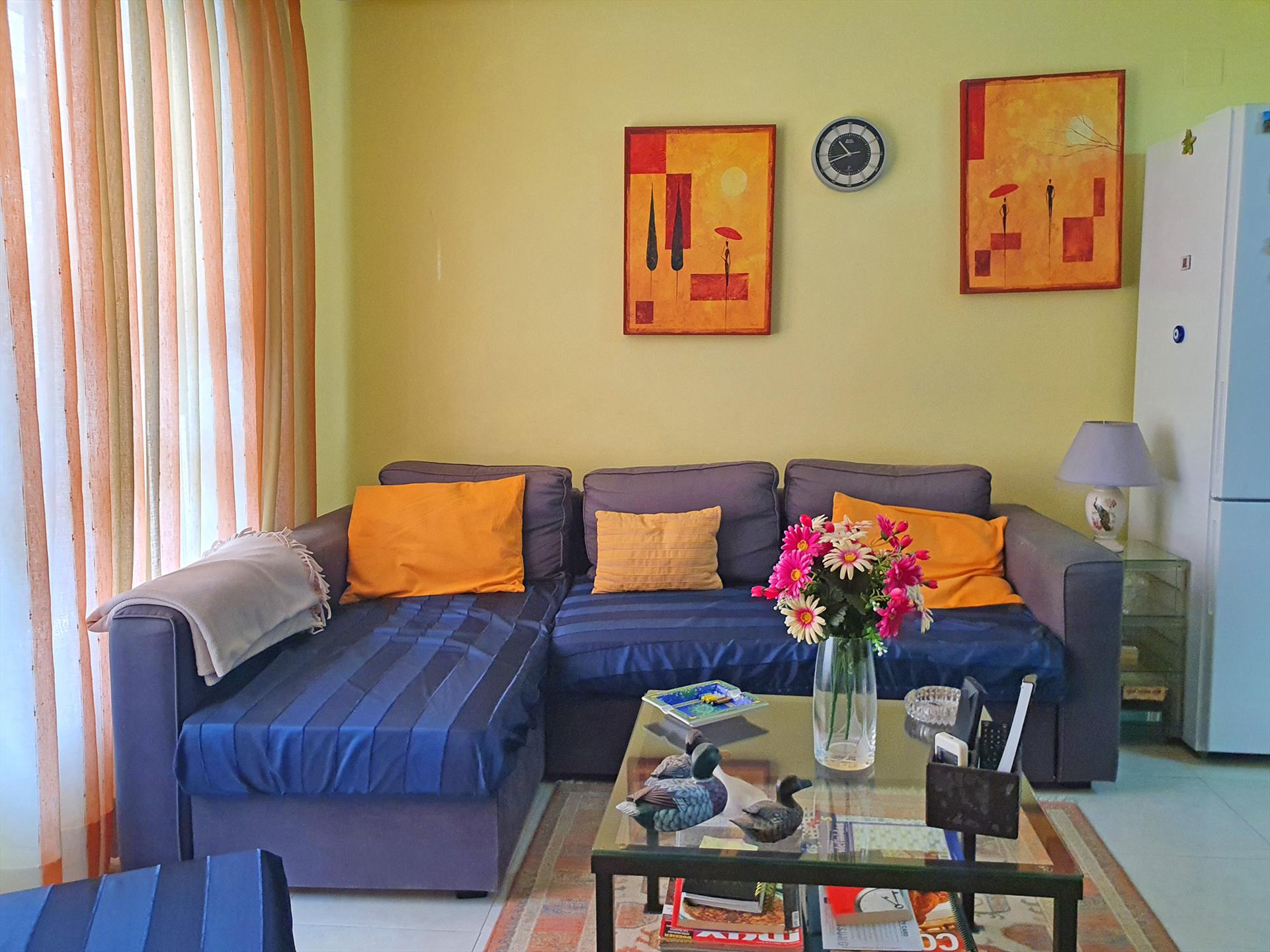 Apartamento Pueblo Javea,Comfortable apartment in the old town of Javea for 4 persons, aprox. 500 meters from the historic centre of Javea with the.....