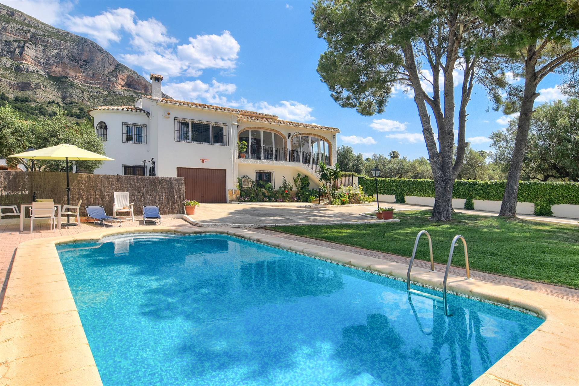 El Marques,Large villa  with private pool in Javea, on the Costa Blanca, Spain for 6 persons...