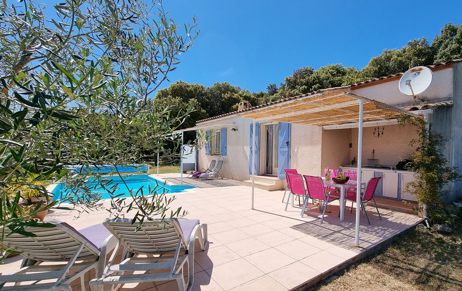 Minerve,Lovely and cheerful holiday house in Vélieux, Languedoc Roussillon, France  with heated pool for 4 persons...