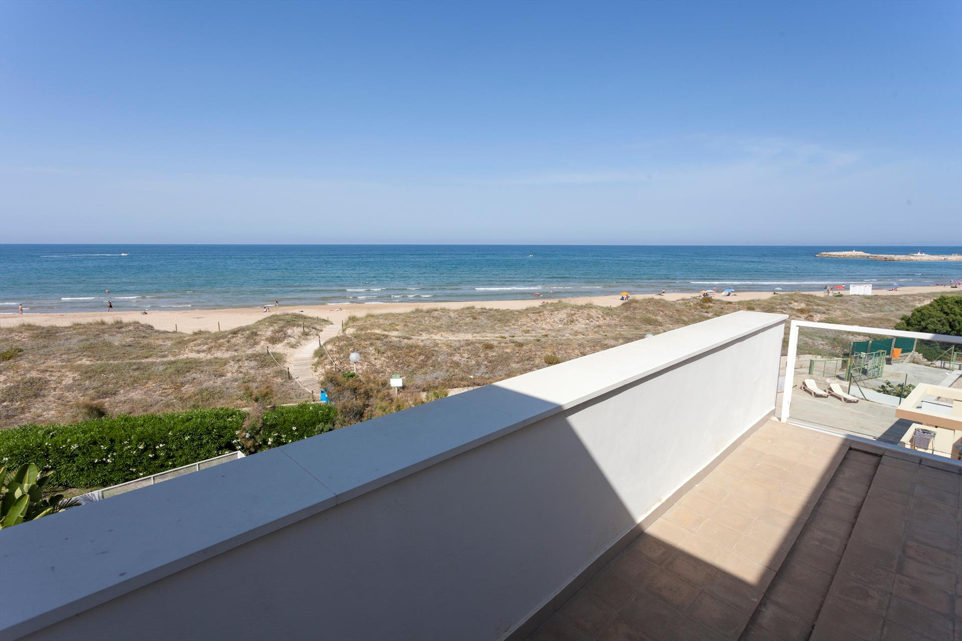 Anabel,Modern and comfortable apartment in Oliva, on the Costa Blanca, Spain for 6 persons.....