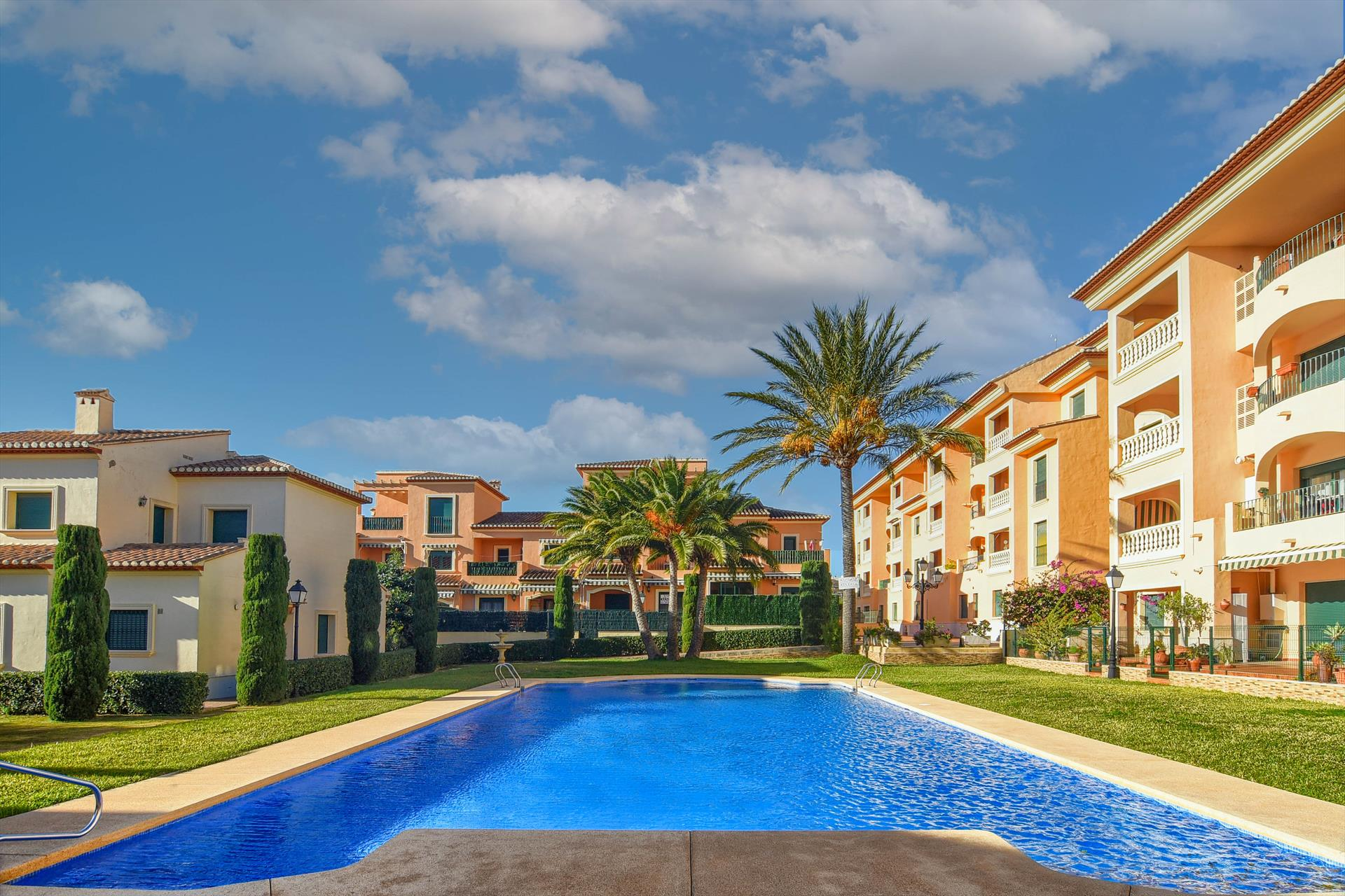 Robair,Beautiful and comfortable apartment in Javea, on the Costa Blanca, Spain  with communal pool for 2 persons...