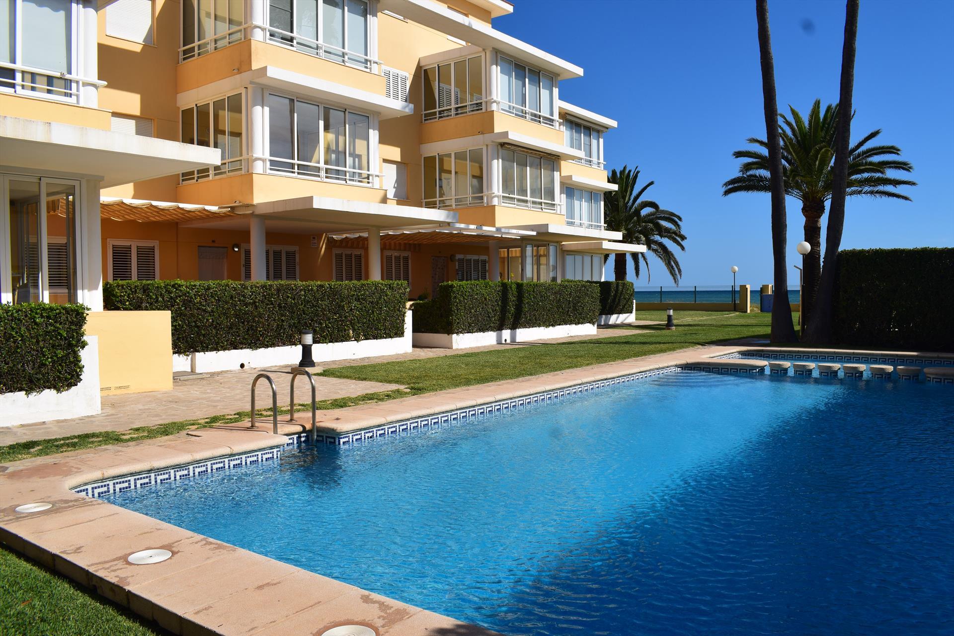 Punta Marines Llac Trasimeno PB3206,Apartamento grande y acogedor  con piscina comunitaria en Denia, en la Costa Blanca, España para 6 personas.....