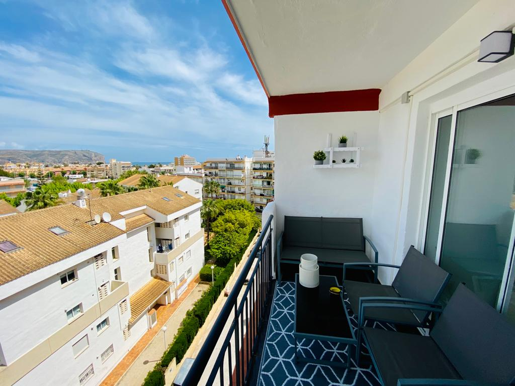 APARTAMENTO PARIS,Lovely and comfortable apartment in Javea, on the Costa Blanca, Spain for 5 persons. The apartment is situated close to.....