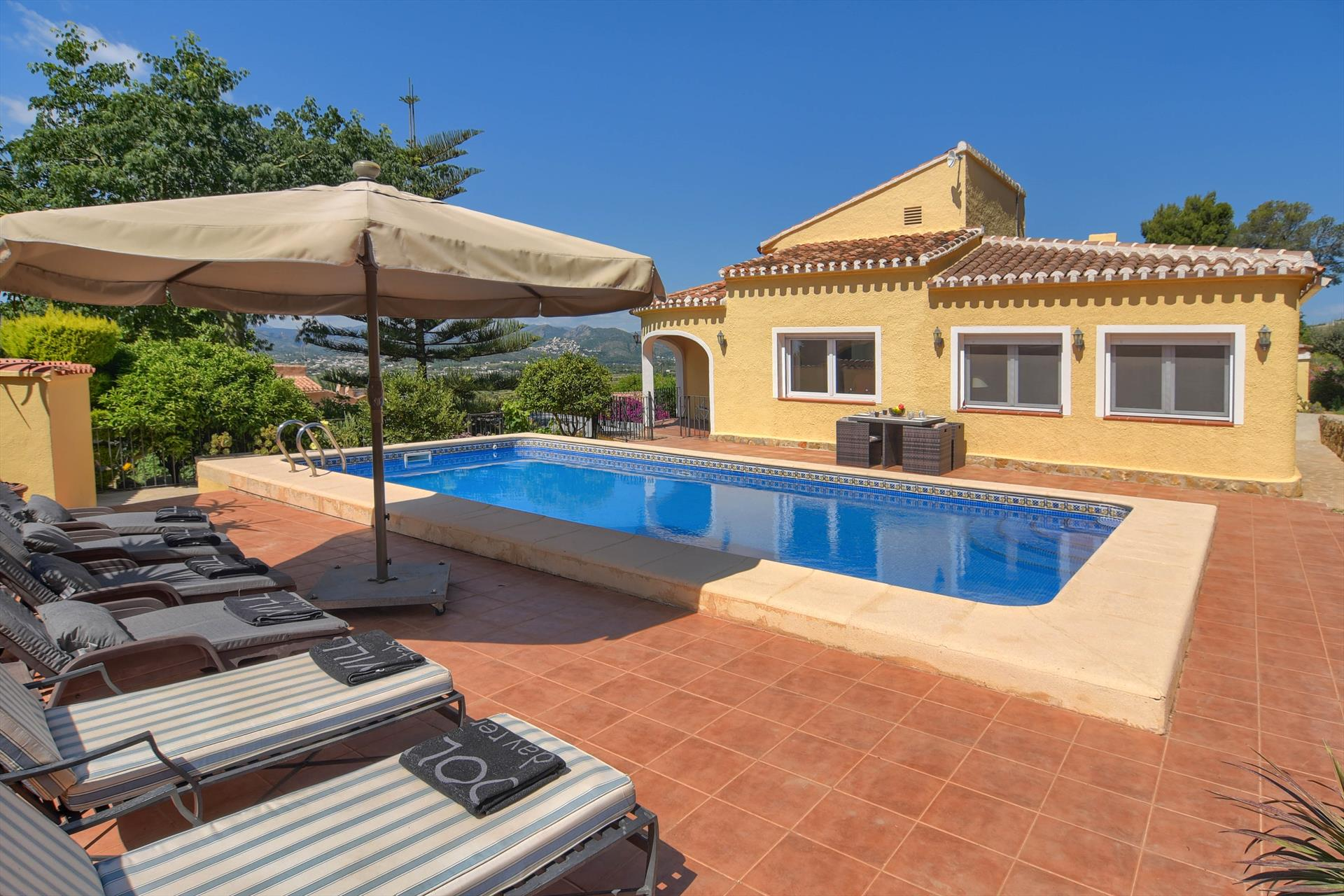 El Elefante 4 pax,Beautiful and comfortable villa in Javea, on the Costa Blanca, Spain  with private pool for 4 persons.....