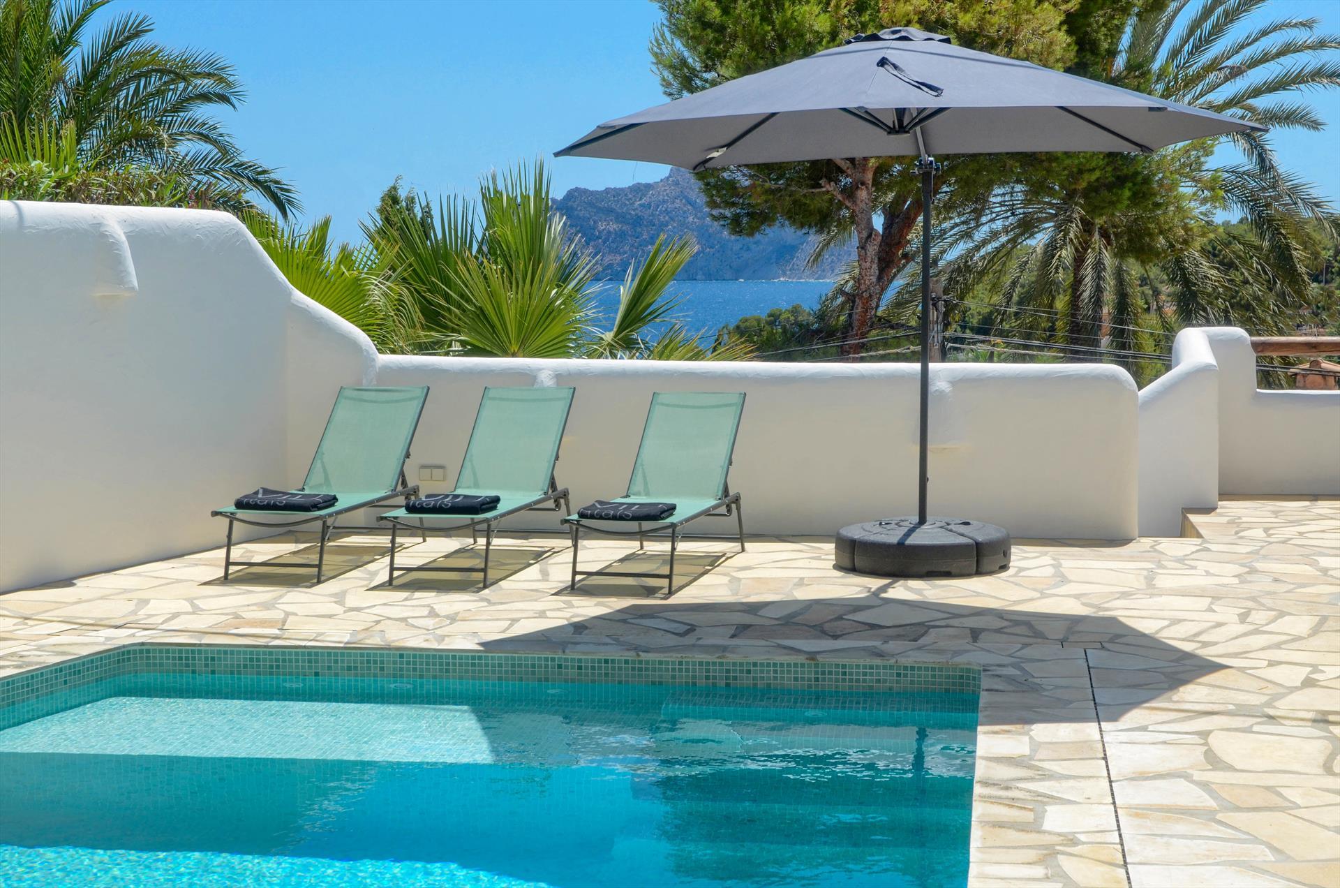 El Mirador,Mooie en comfortabele vakantiewoning in Benissa, aan de Costa Blanca, Spanje  met privé zwembad voor 10 personen...