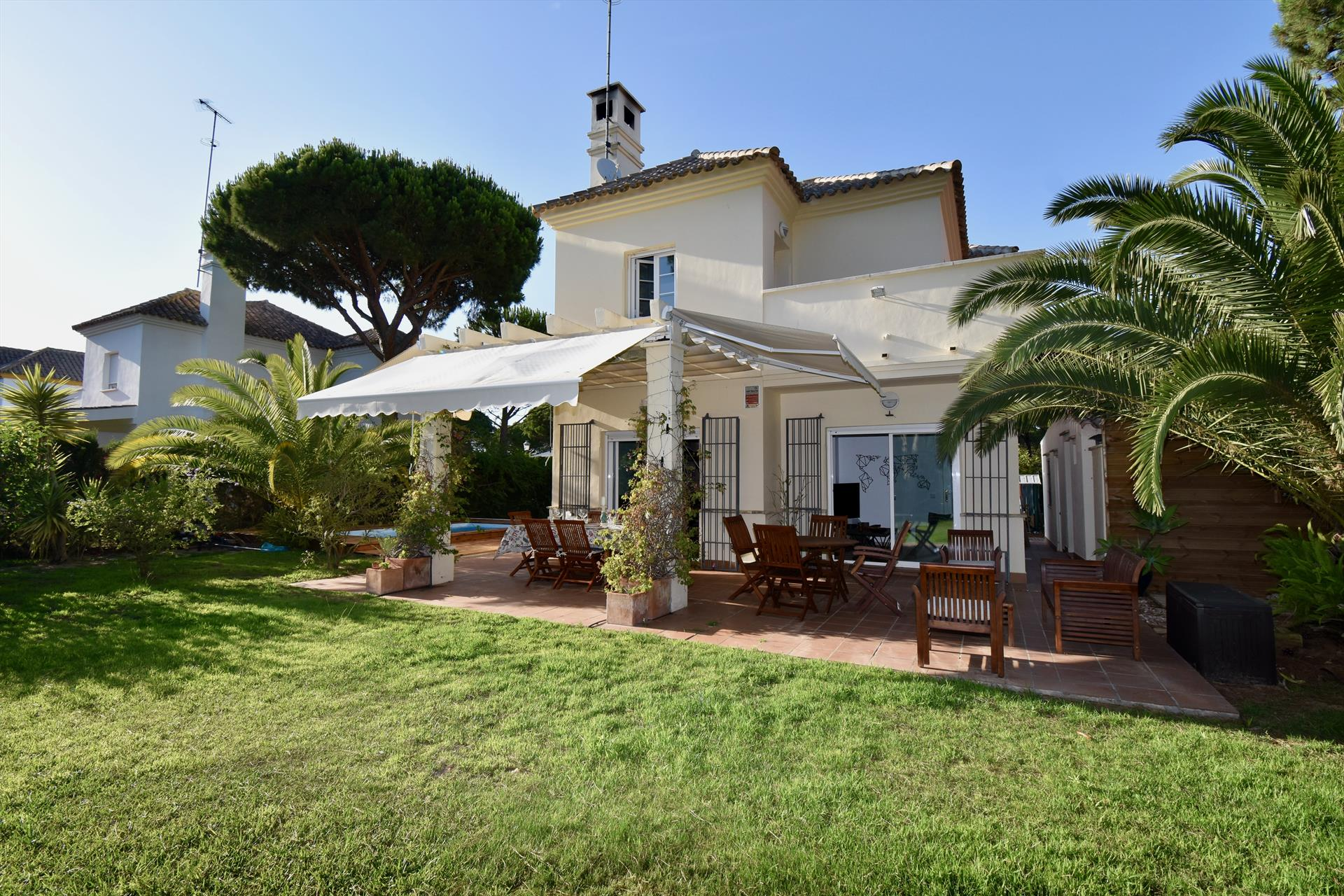 Martiniano,Modern and comfortable villa in Chiclana de la Frontera, Andalusia, Spain  with private pool for 6 persons.....