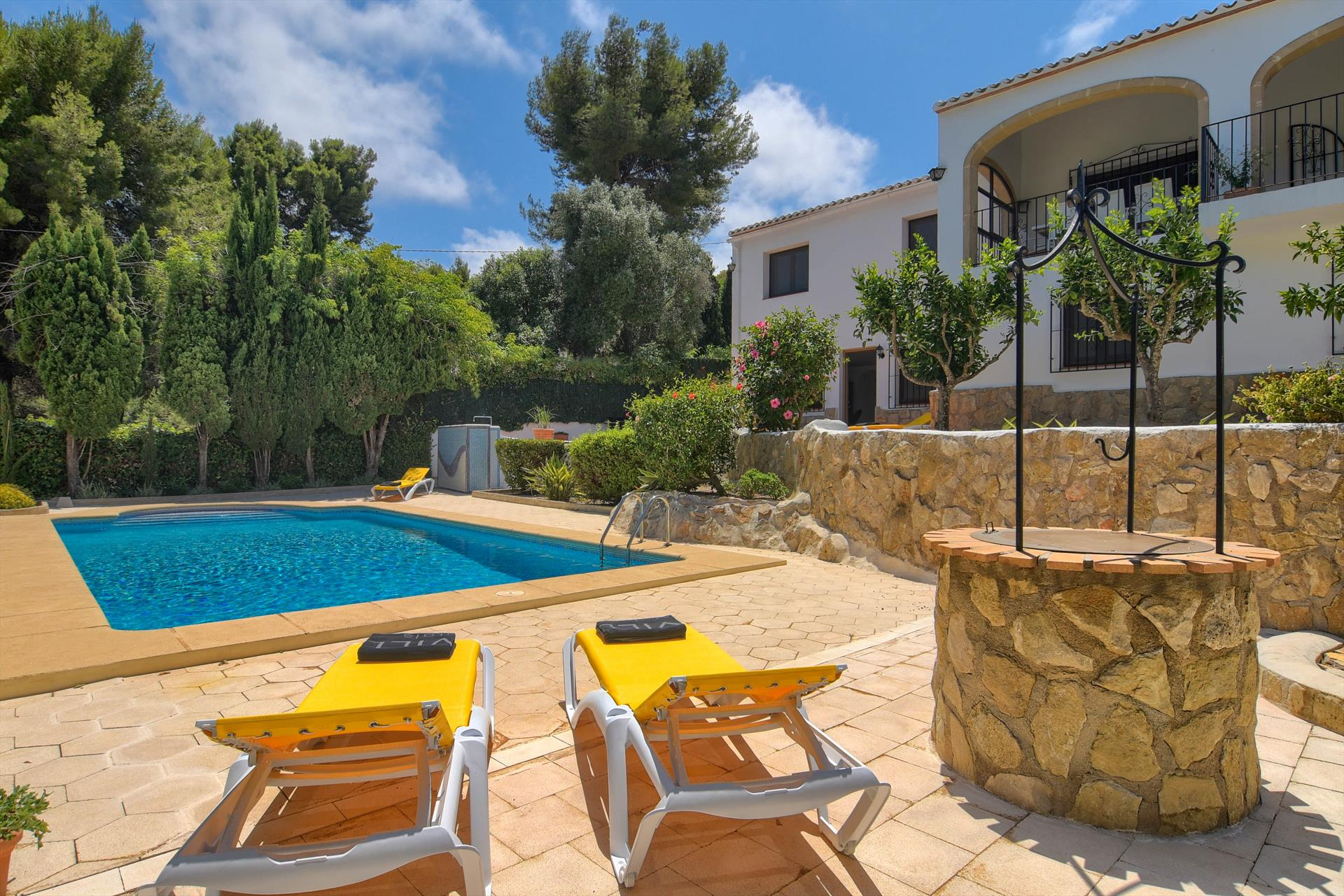 Mithra 8 pax,Classic and cheerful holiday house  with private pool in Javea, on the Costa Blanca, Spain for 8 persons.....