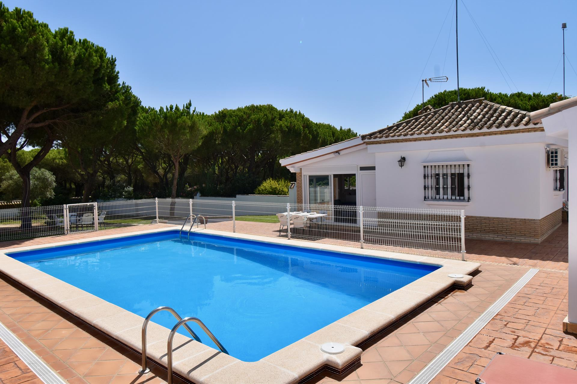 Jamaica,Modern and comfortable villa in Chiclana de la Frontera, Andalusia, Spain  with private pool for 6 persons.....