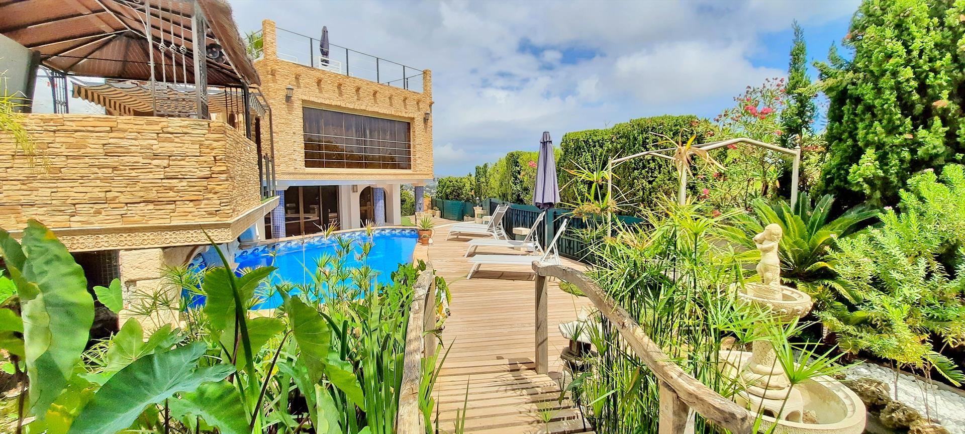 Villa Sun Carlos,Wunderschöne und gemütliche Villa  mit privatem Pool in Benissa, an der Costa Blanca, Spanien für 8 Personen.....