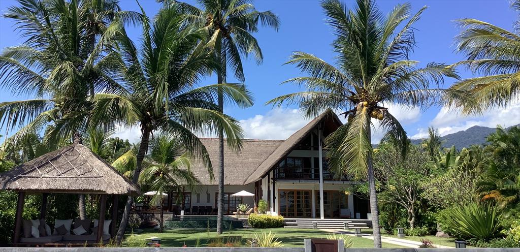 Beach sungai raja bali,Villa  con piscina privada en Celukan Bawang, Gerokgak, Buleleng Regency, Bali, Lovina, North Bali, Indonesia para 8 personas...