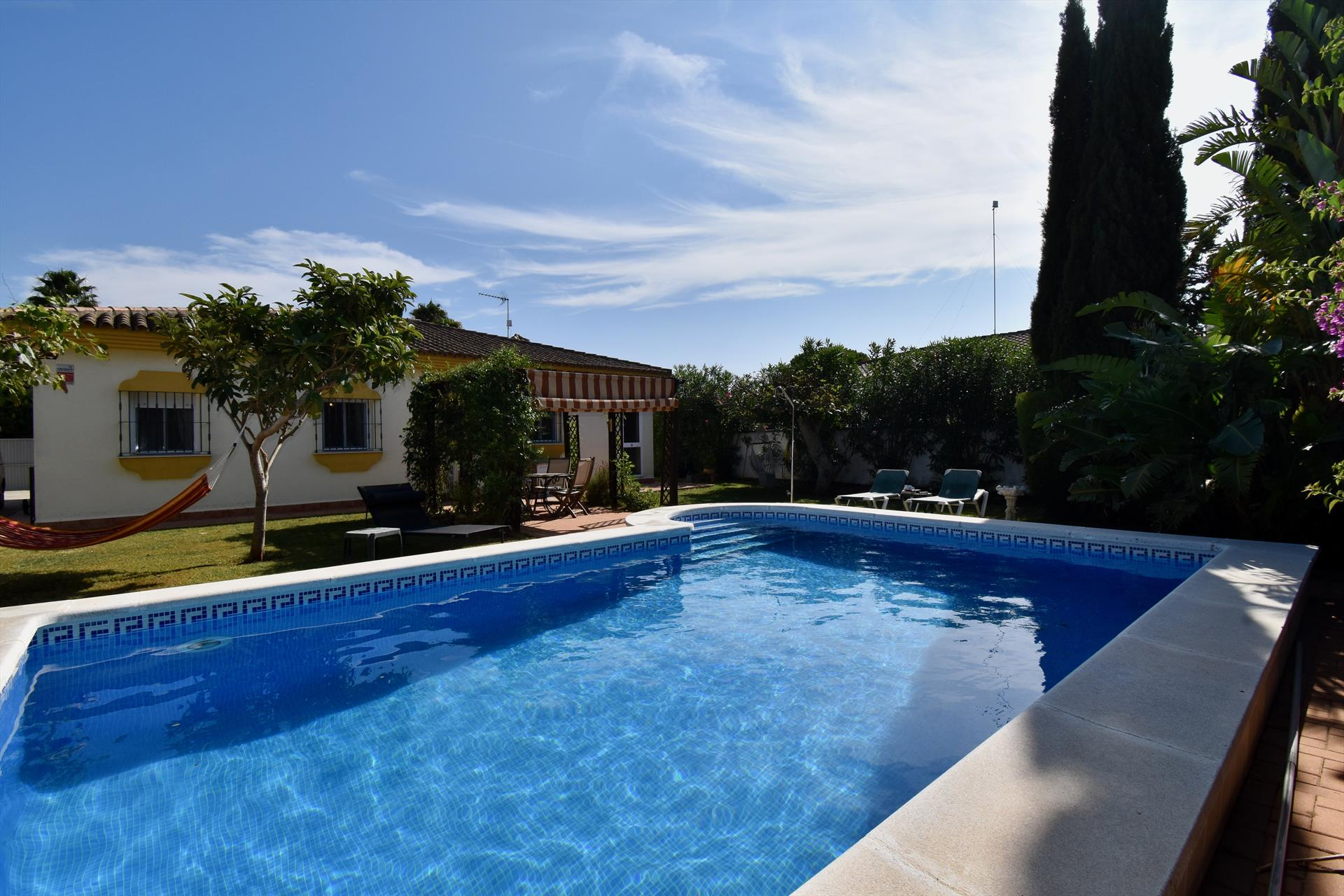 Huerto Chico,Lovely and comfortable villa  with private pool in Chiclana de la Frontera, Andalusia, Spain for 8 persons.....
