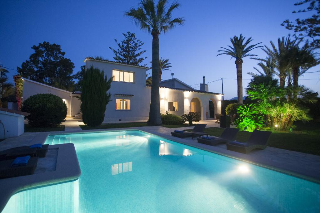 Las Marinas 8, Beautiful and comfortable villa in Denia, on the Costa Blanca, Spain  with private pool for 8 persons.....